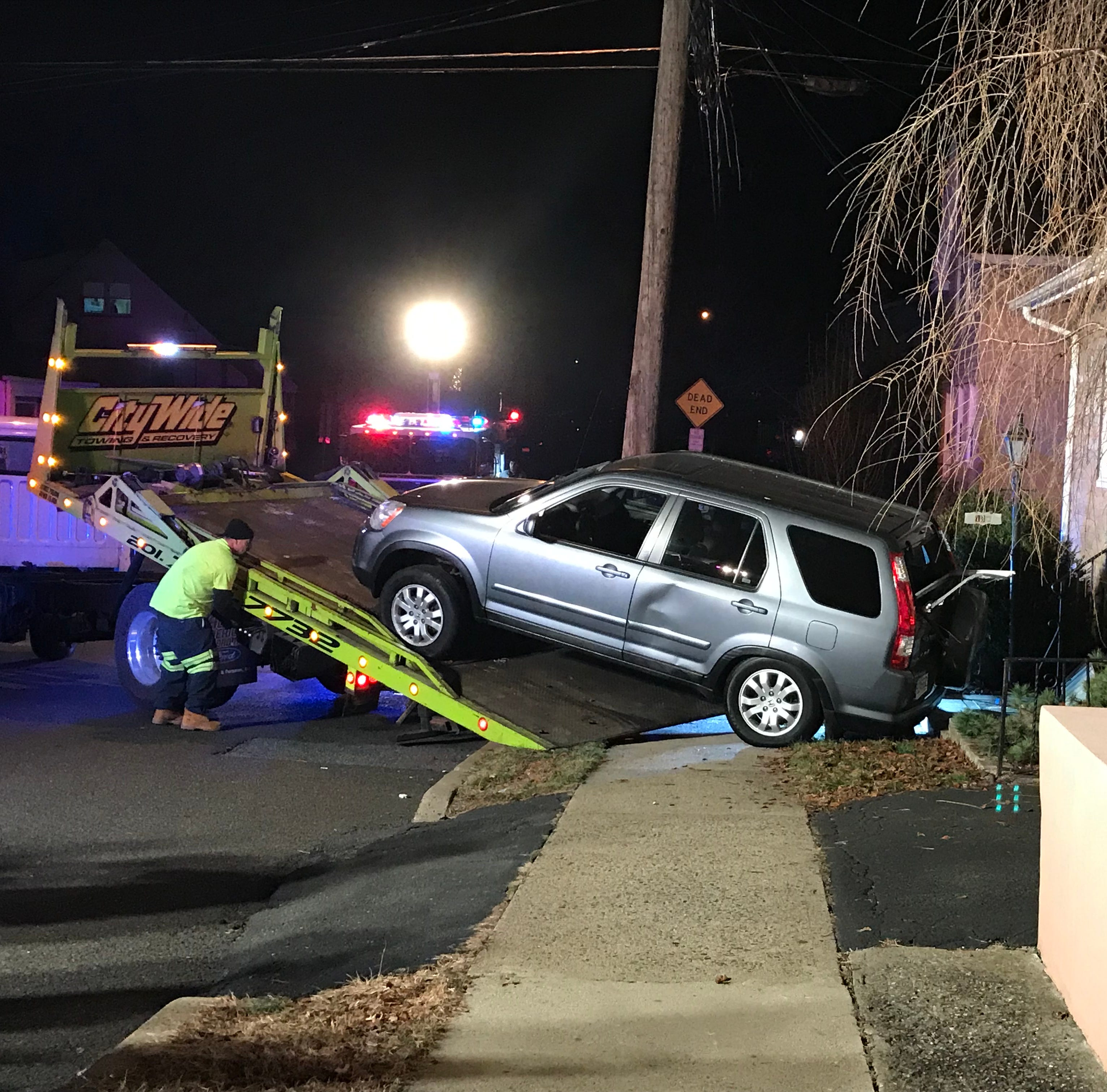 Car crashes into Hawthorne house