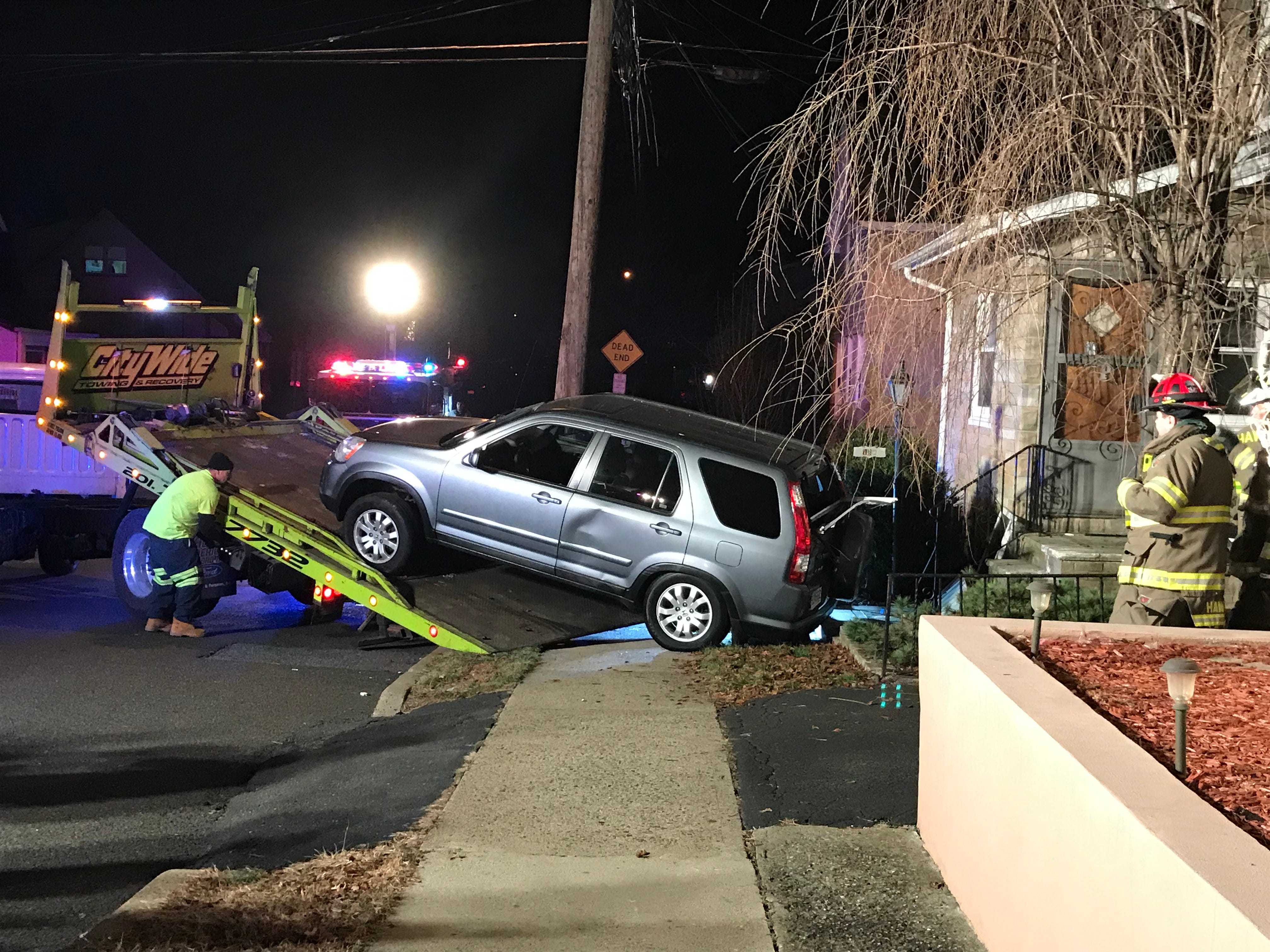 Car crashes into Hawthorne house