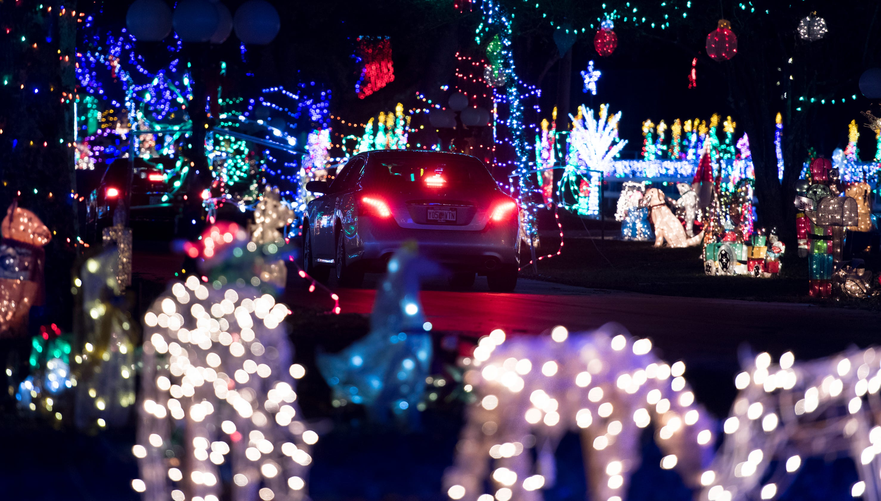 Milton Christmas light display could win $50K on \'Great Christmas ...