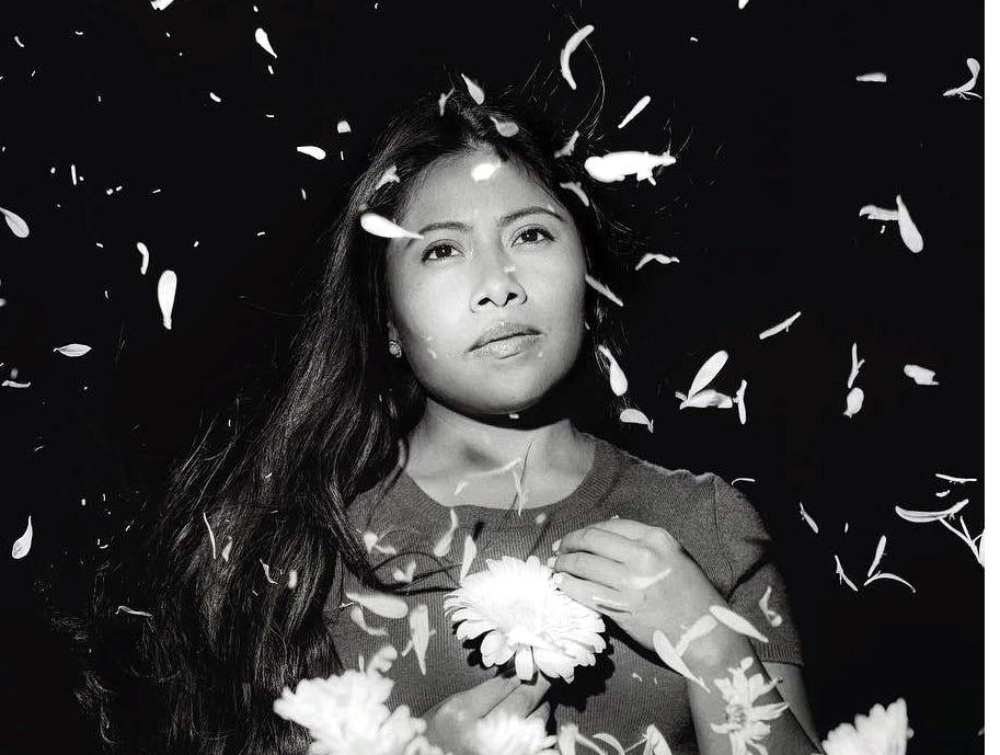 """Yalitza Aparicio cumplió 26 años y fue Cuarón quien la seleccionó como protagonista de """"Roma"""", galardonada con varios premios."""