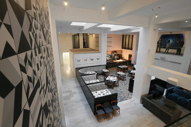 The Stanton House boutique hotel is open for business. The artsy, ultra modern hotel is at 209 N. Stanton features skylights which dive down to greet diners, artwork for any taste and an open, clean design.