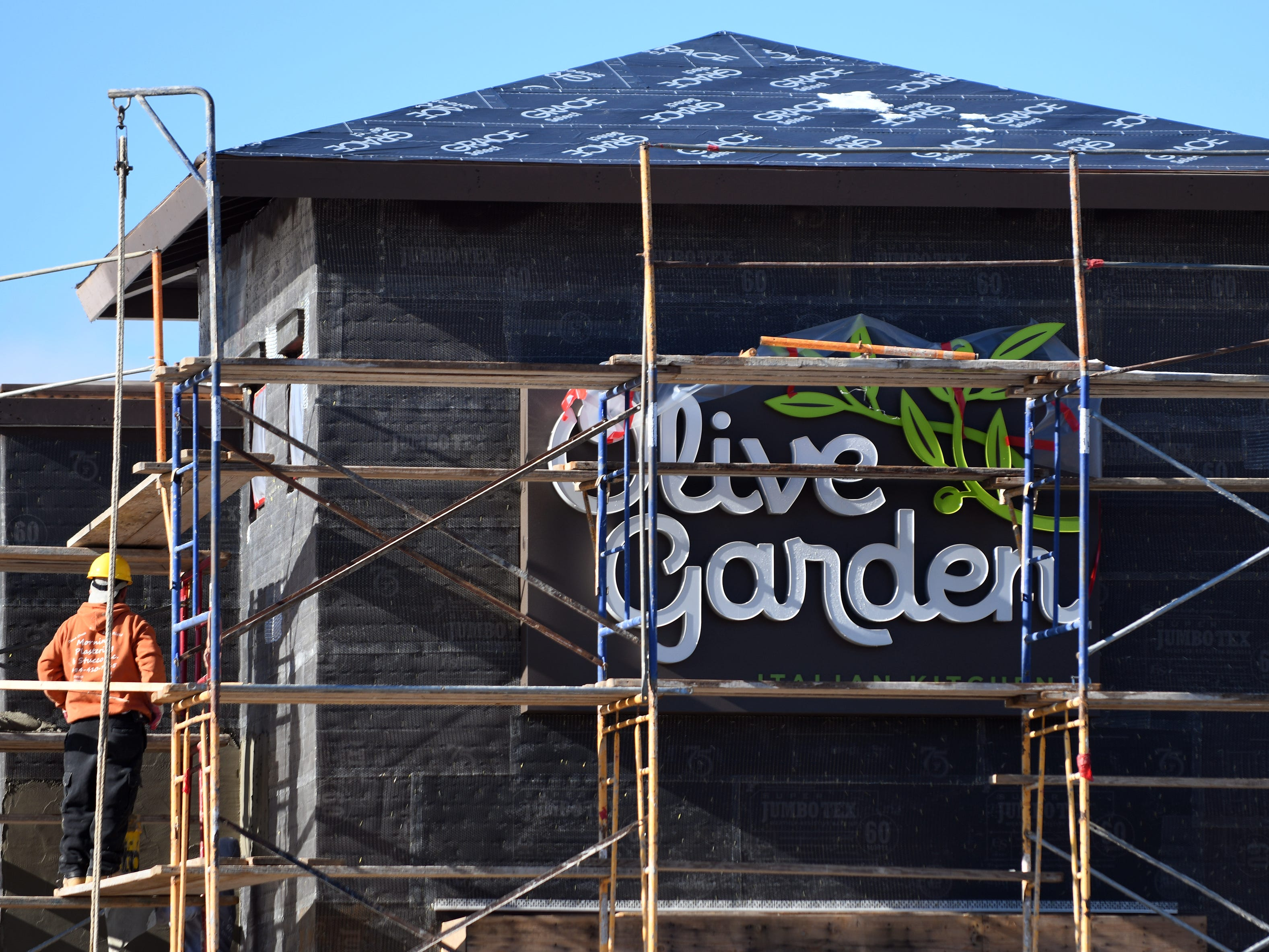 Construction continues on the Olive Garden in Vineland located across from the Cumberland Mall at 3880 South Delsea Drive on Friday, December 7, 2018.