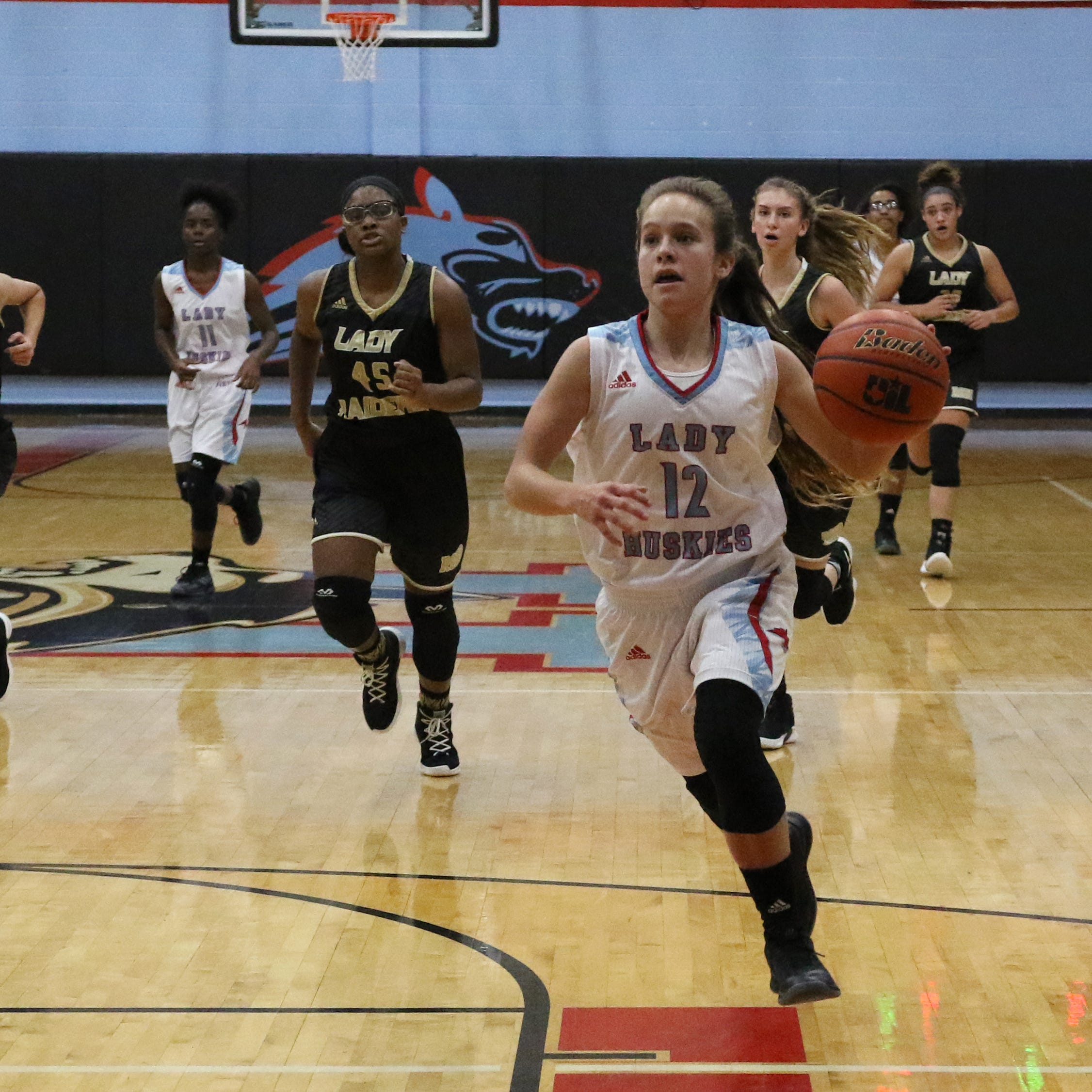 Area girls basketball primer: Hirschi moves up to No. 2; Vote for Player of the Week