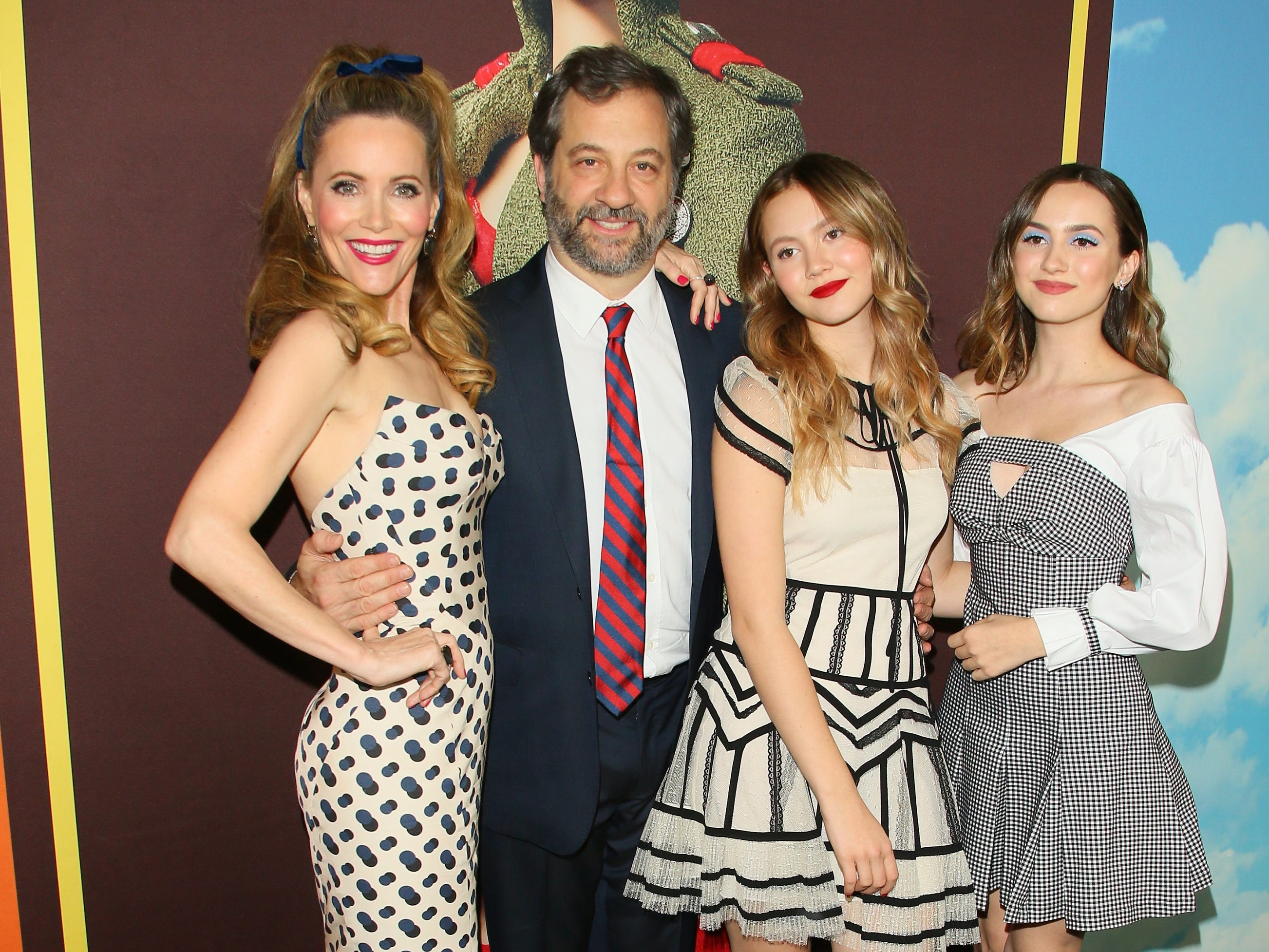 HOLLYWOOD, CALIFORNIA - DECEMBER 10: Leslie Mann, Iris Apatow, Maude Apatow and Judd Apatow attend Universal Pictures and DreamWorks Pictures' premiere of 'Welcome To Marwen' at ArcLight Hollywood on December 10, 2018 in Hollywood, California.  (Photo by JB Lacroix/Getty Images) ORG XMIT: 775265183 ORIG FILE ID: 1071608942
