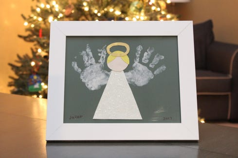 Handprint cards and salt dough ornaments: Craft ideas for holiday gifts