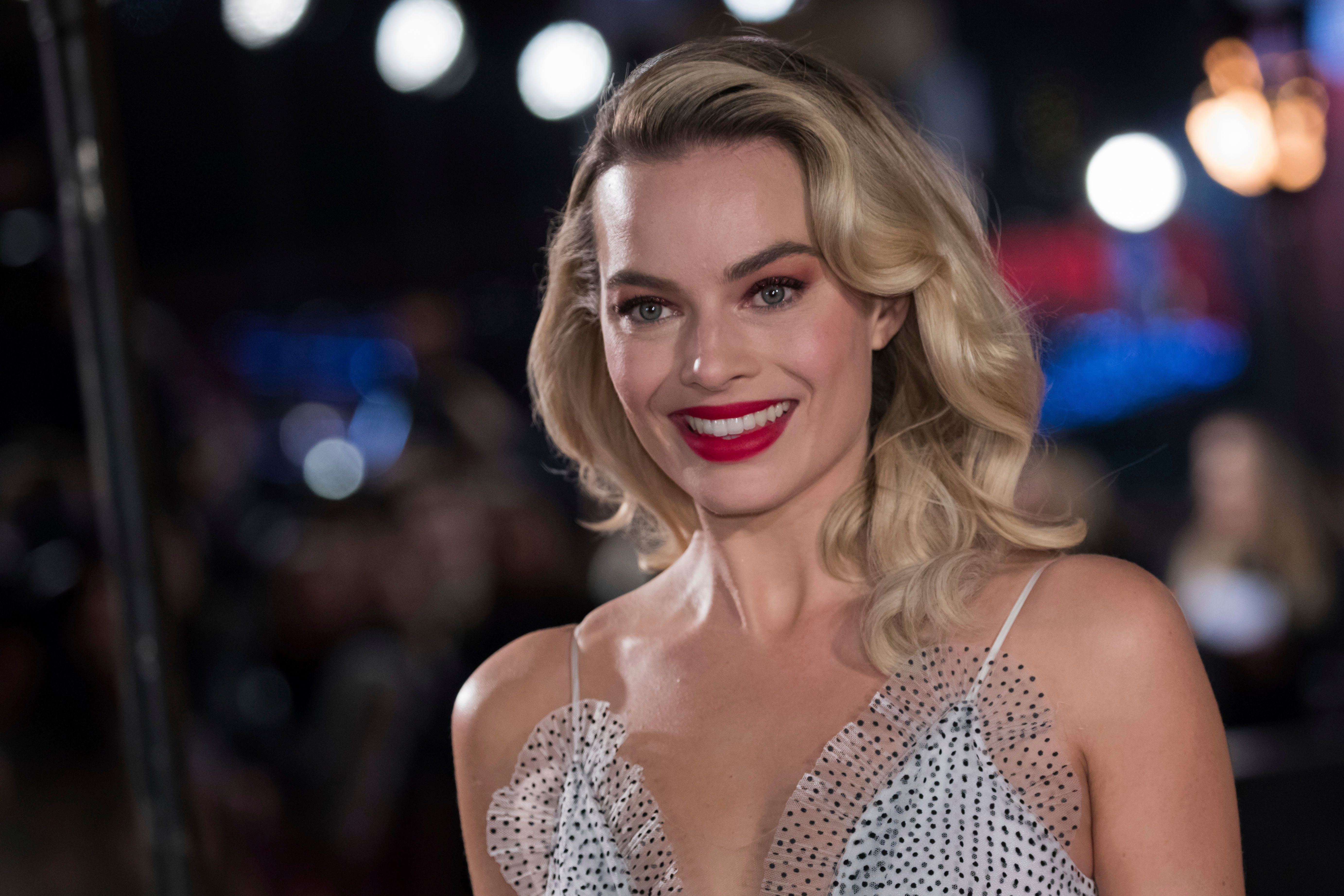 Margot Robbie is going to star in a live-action Barbie movie