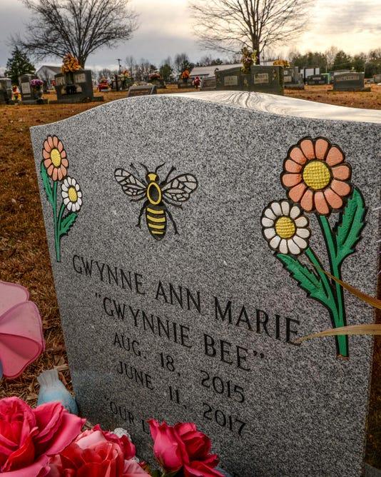 1213 Gwynne Ann Marie Gravestone 10