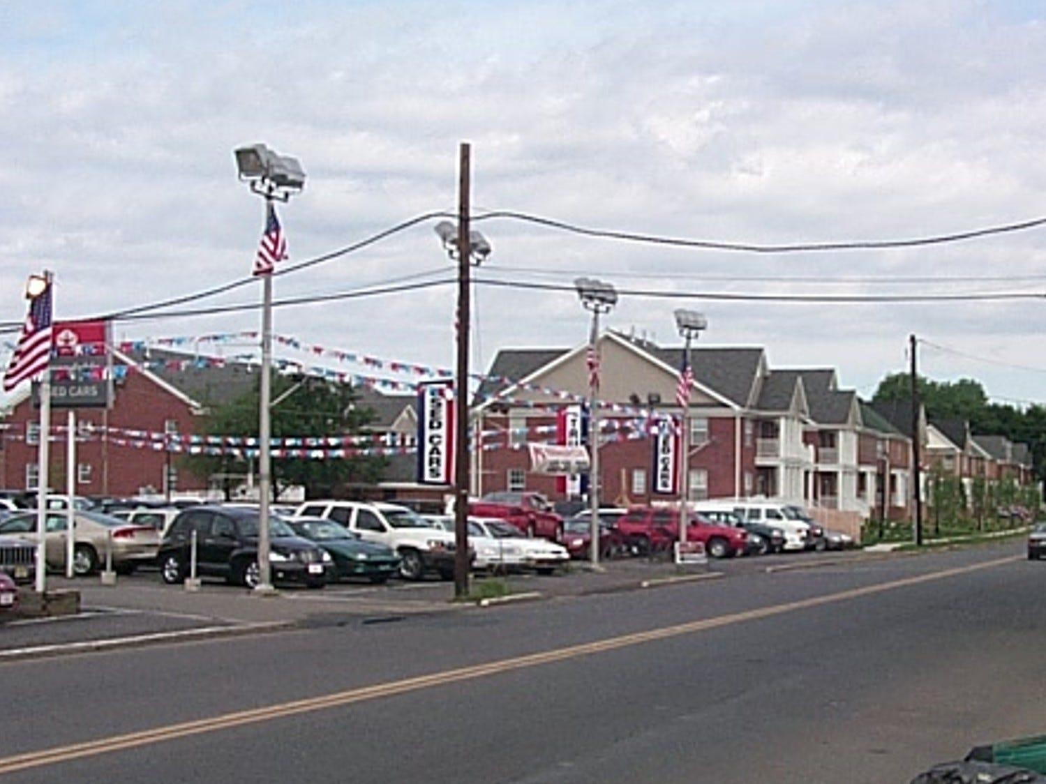 Metuchen, Center Street, 2002
