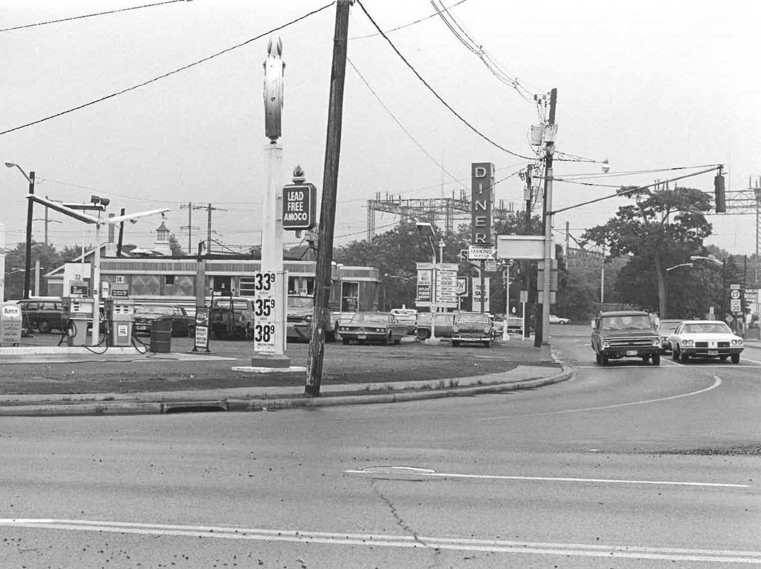 Metuchen, Lake and Middlesex avenues, 1970
