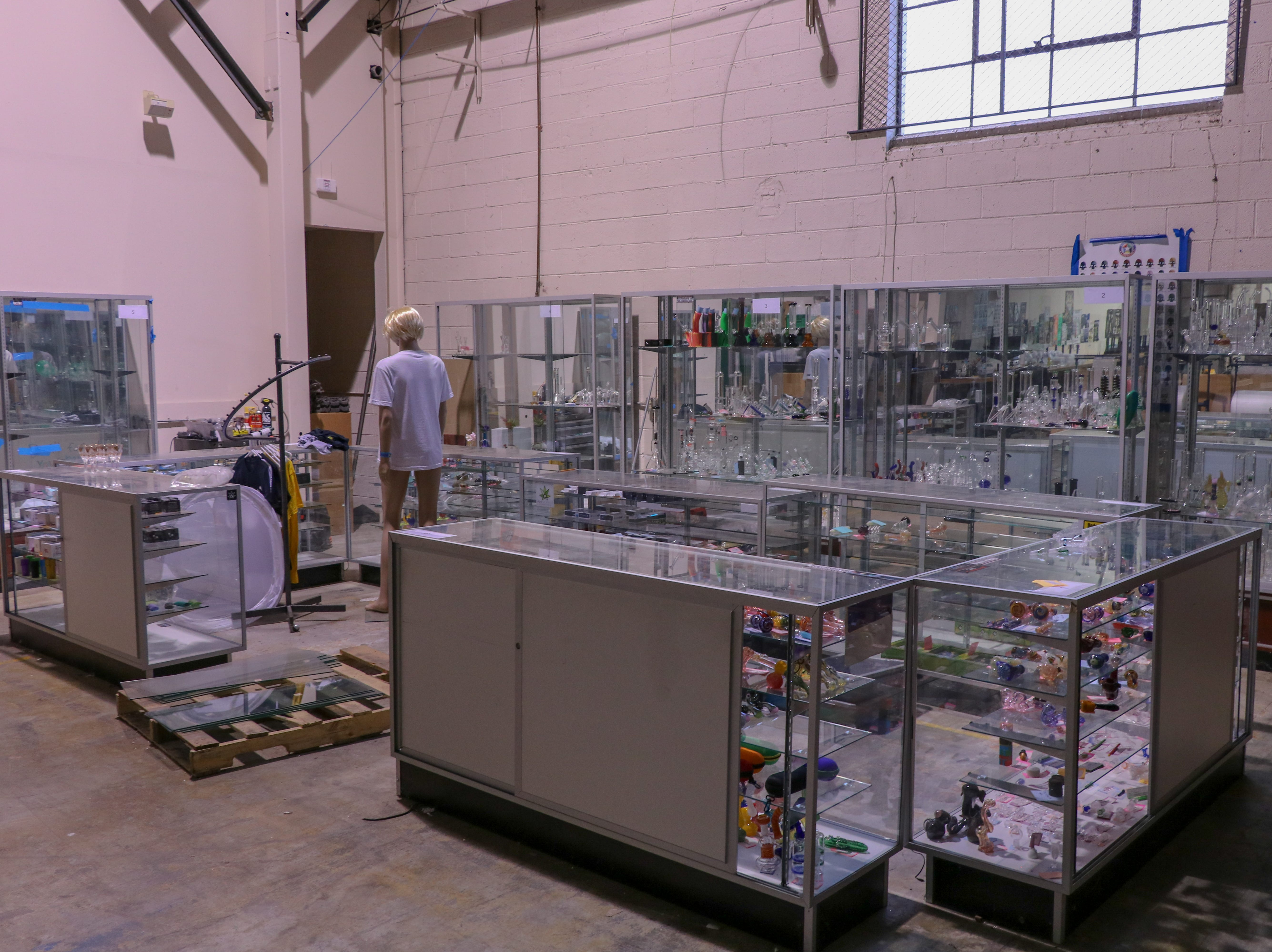 Edison-based online headshop DankStop prepares for marijuana legalization with a new life of pop-tops and jars.