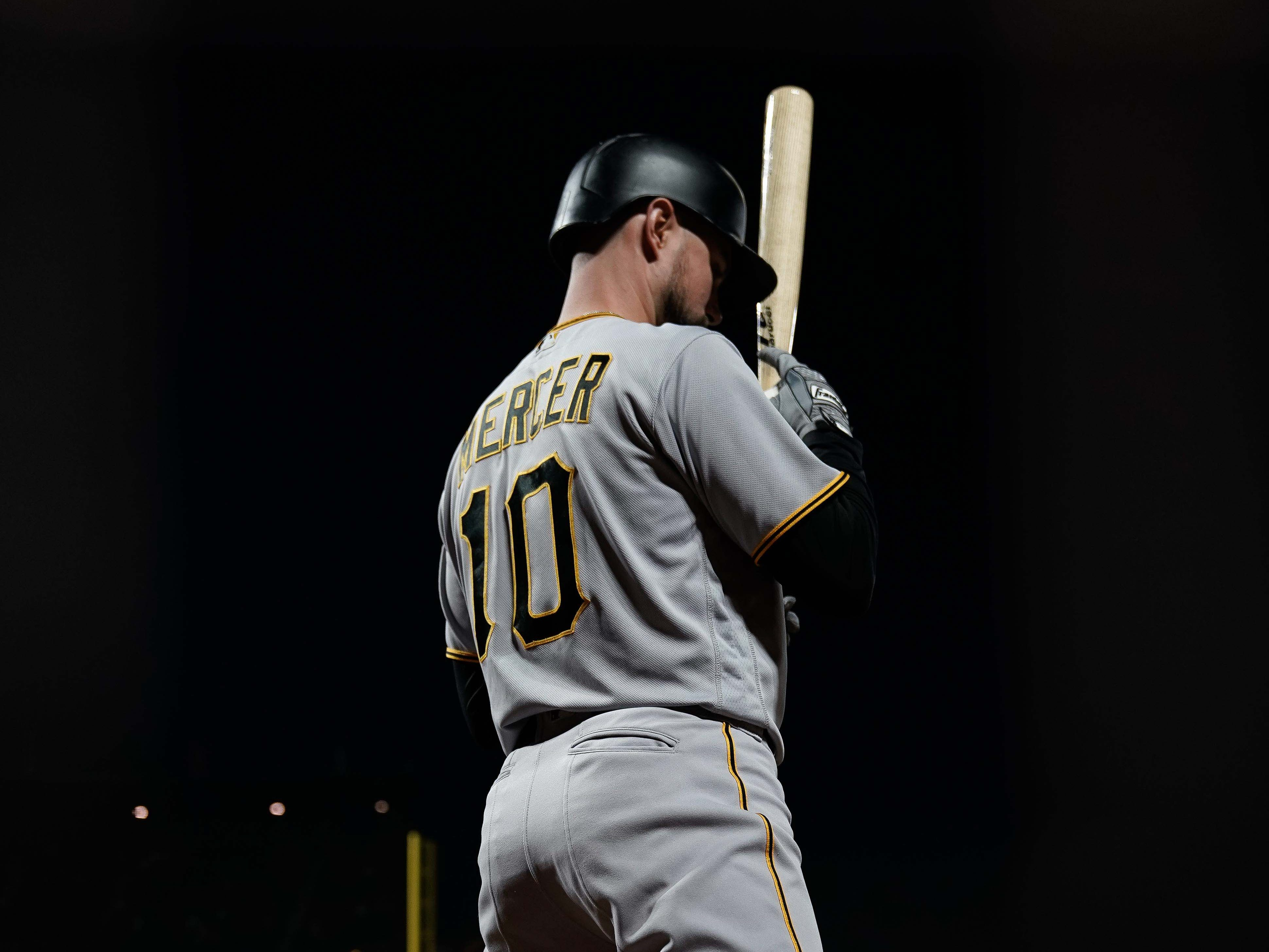 Pittsburgh Pirates shortstop Jordy Mercer warms up before his at-bat against the San Francisco Giants at AT&T Park, Aug. 10, 2018.