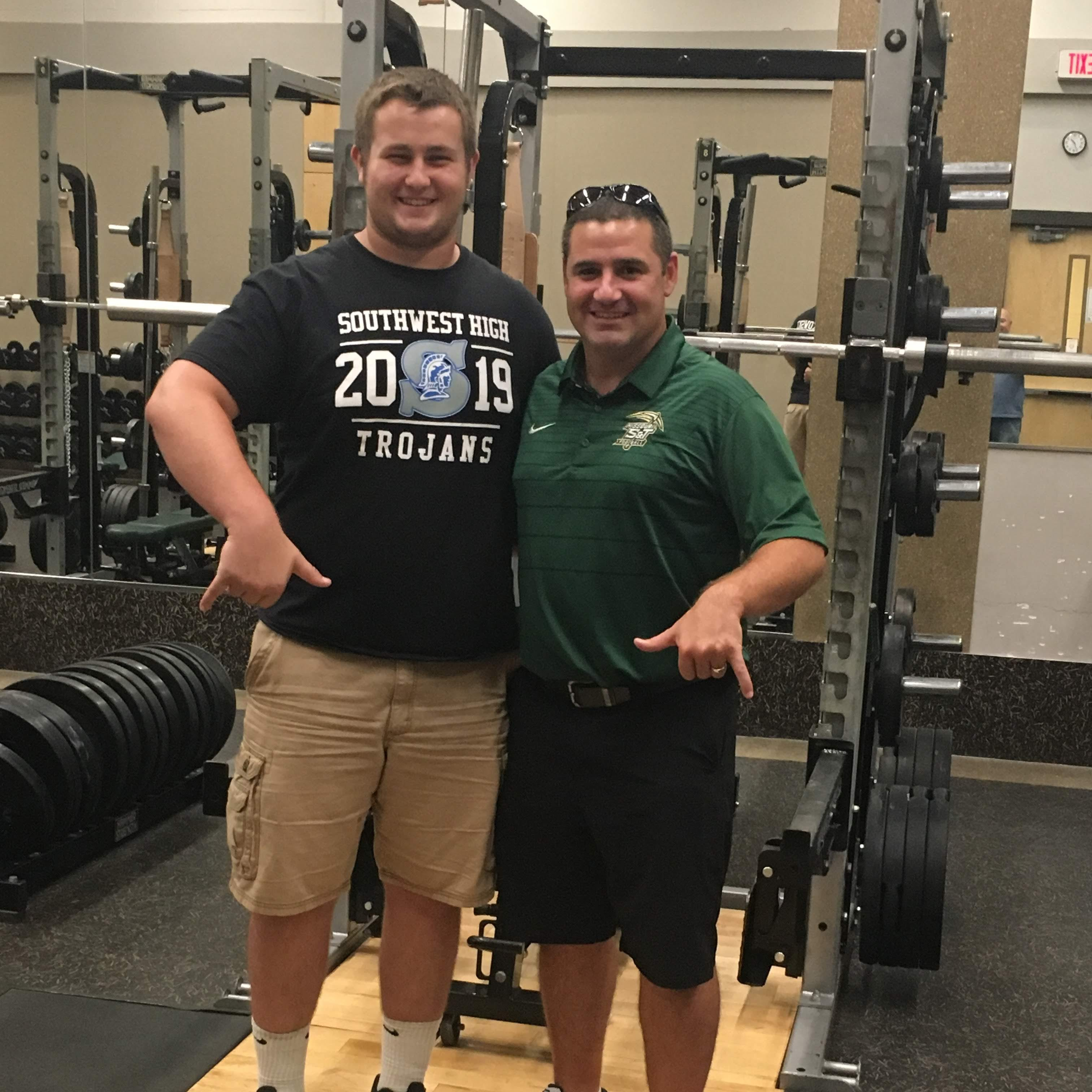 Green Bay Southwest's Klarkowski in football recruiting spotlight