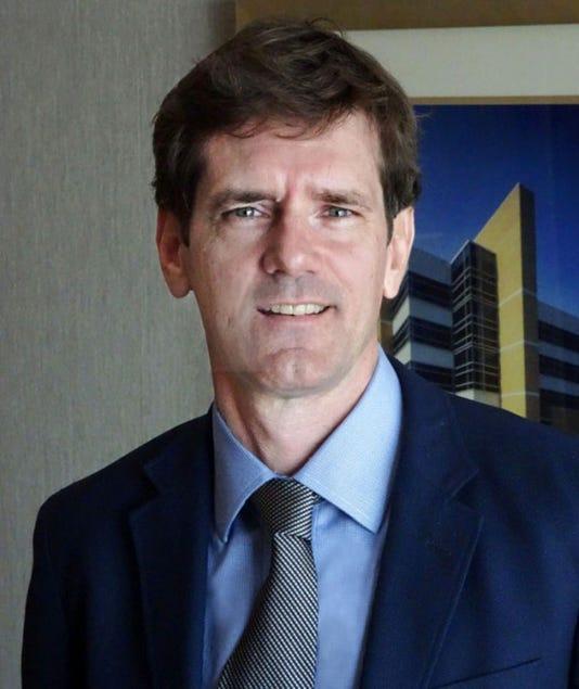 Thomas E Dobbs