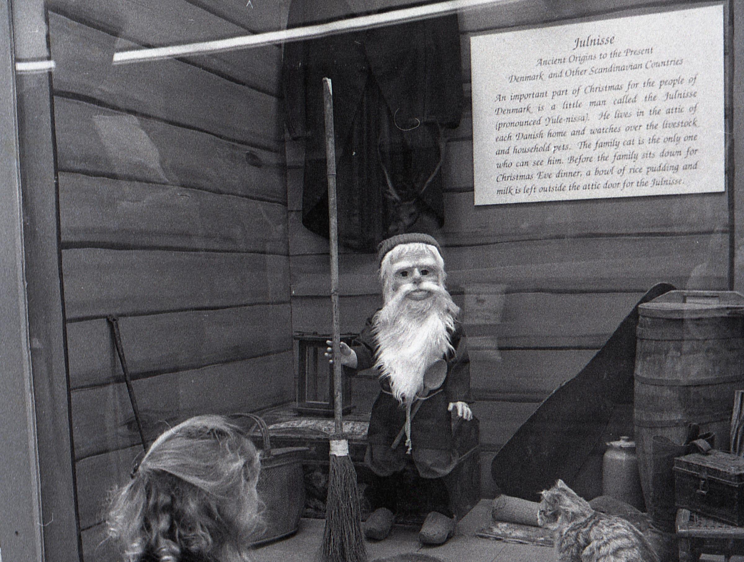 Santa's Christmas Album Museum Display at Meridian Mall, Dec. 3, 1993.