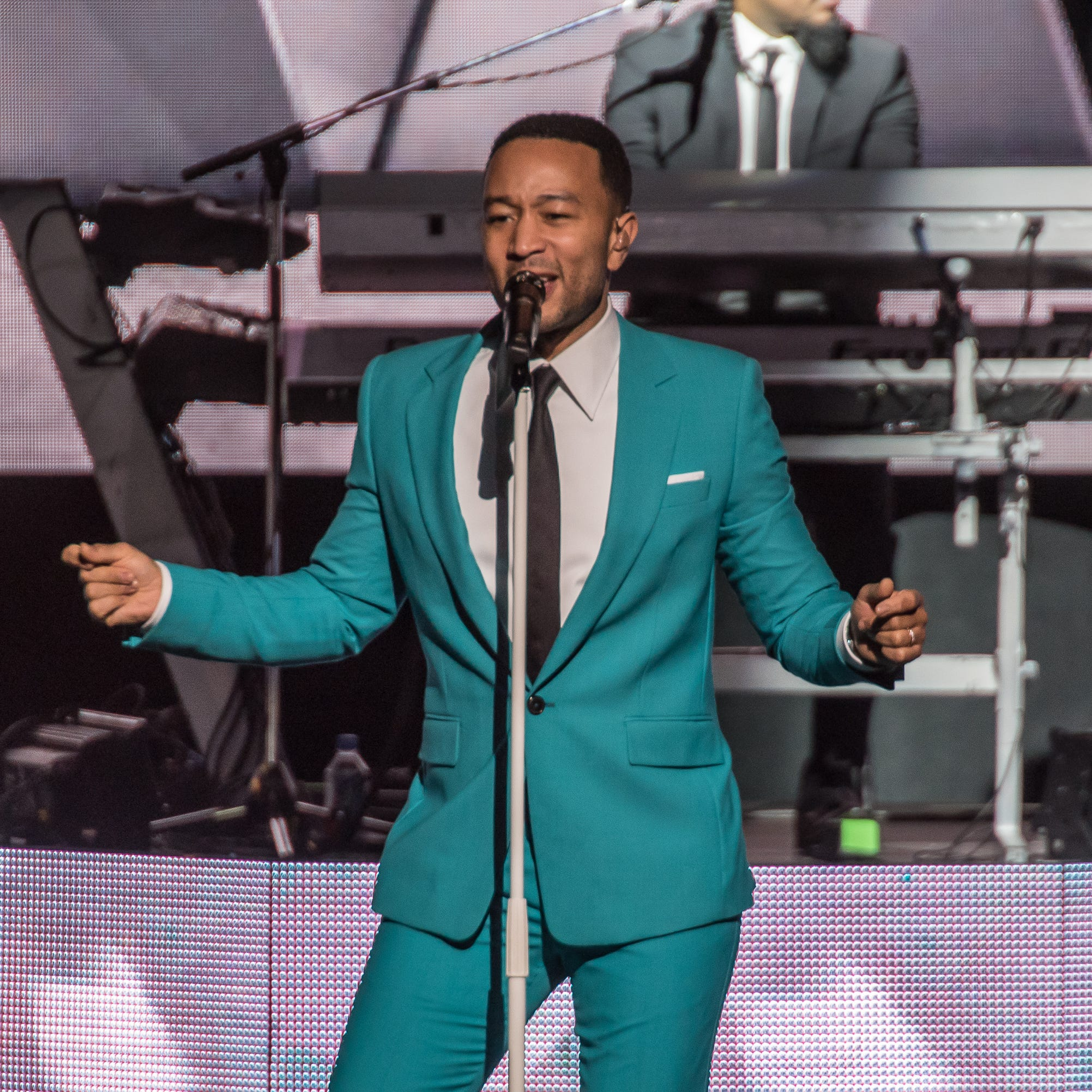 John Legend puts on a merry and bright Christmas concert at Milwaukee's Riverside Theater