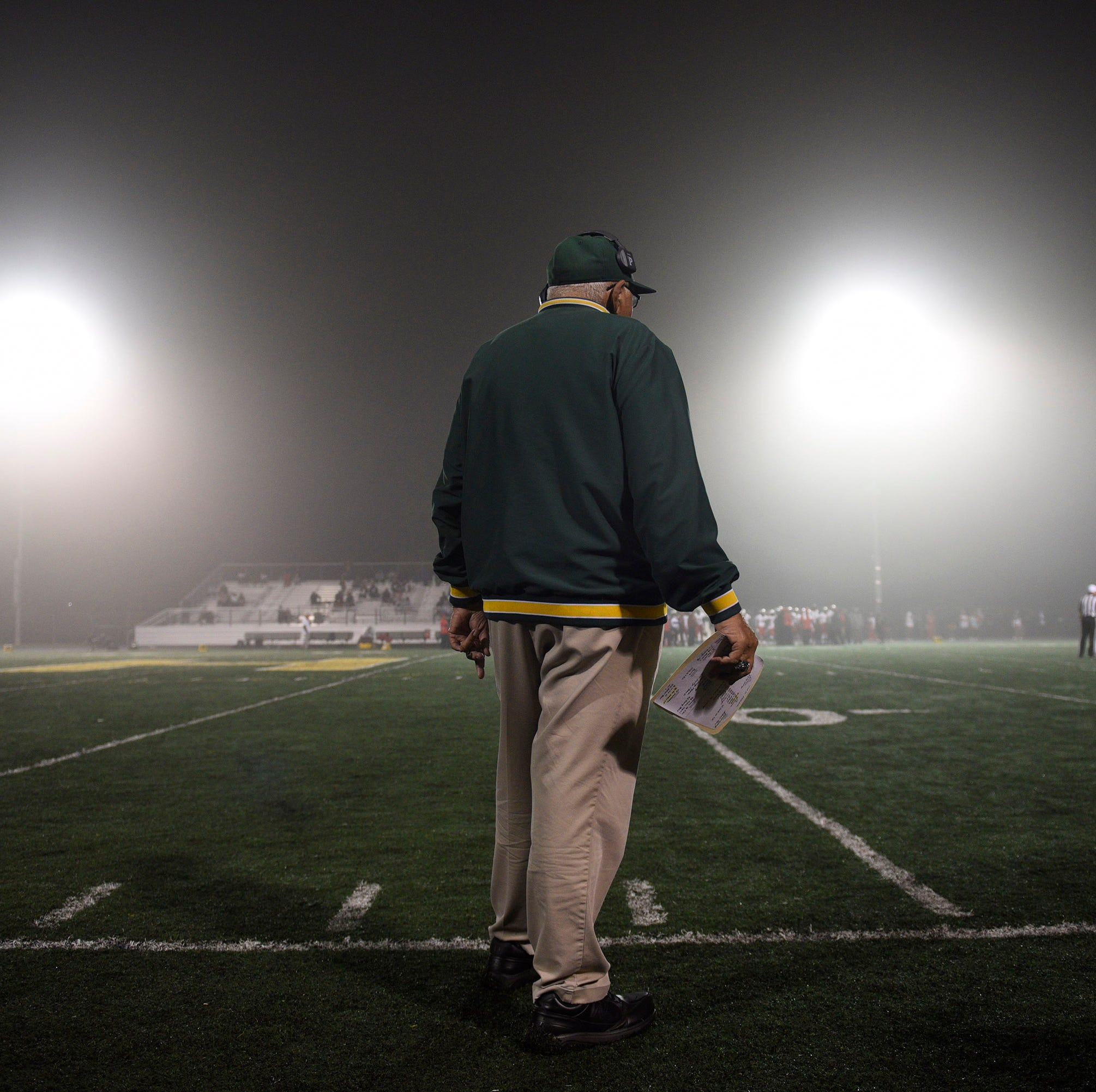 Farmington Hills Harrison football coach John Herrington to receive excellence award