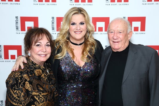 Sherrie and Ron Auen with Trisha Yearwood at the McCallum Theatre.