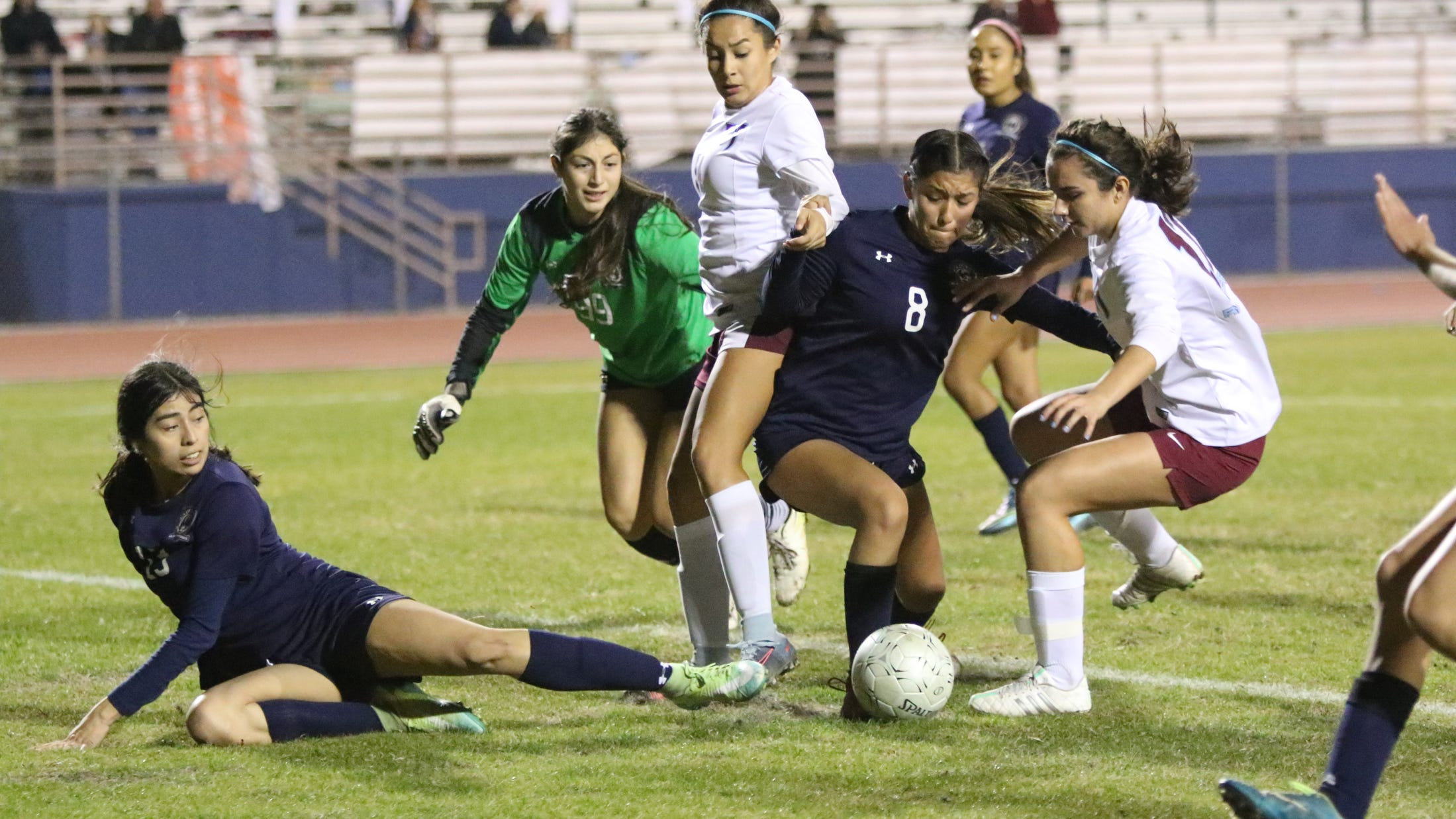 La Quinta's girls' soccer team records first win in quest for another league title