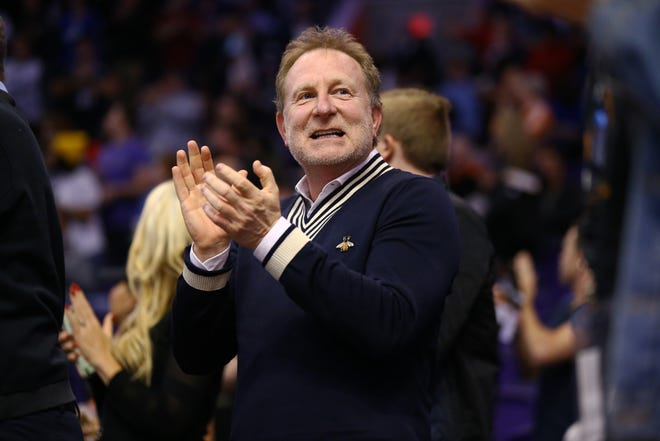 Phoenix Suns owner Robert Sarver cheering on his team.