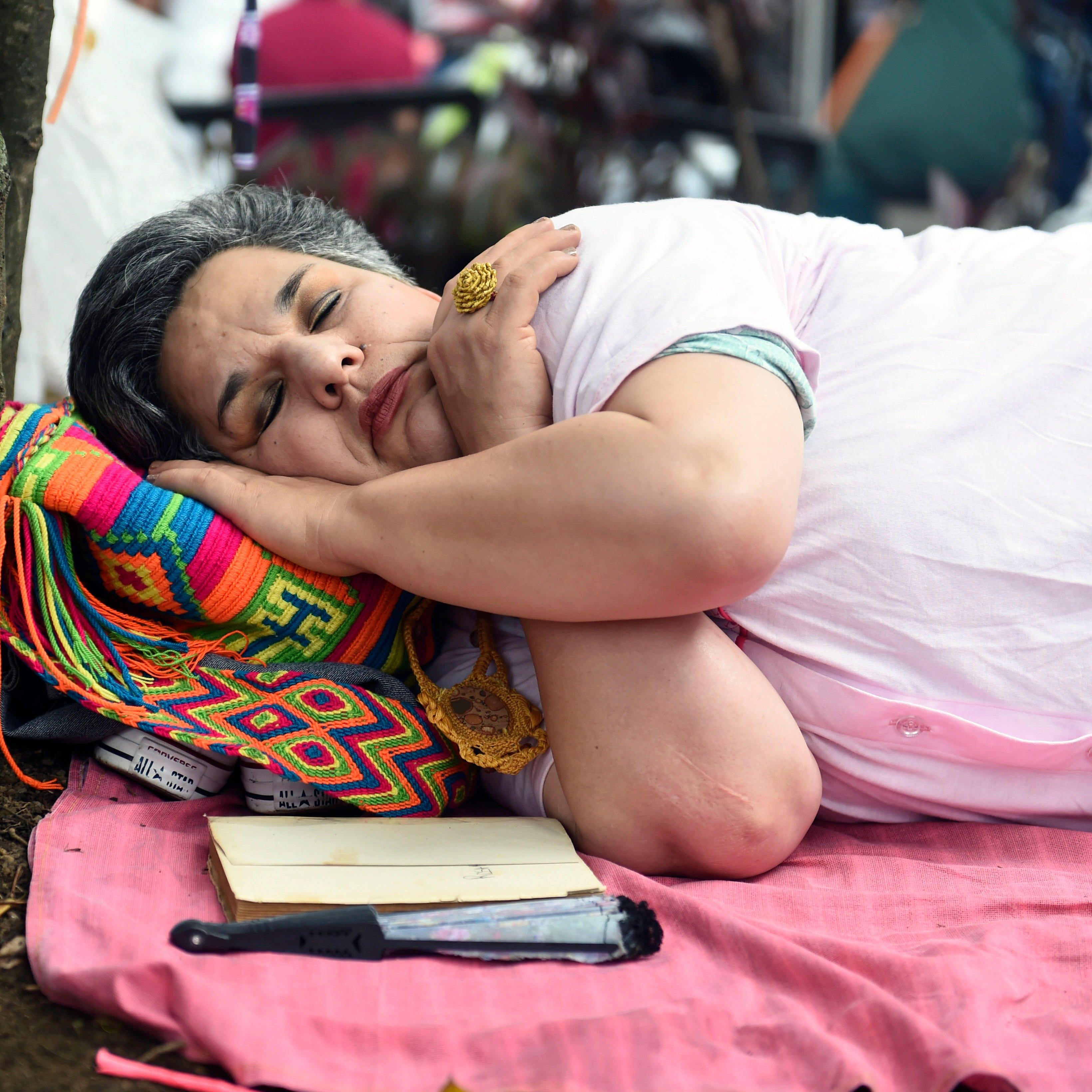 Hispanos y afroamericanos, los que menos duermen, según estudio