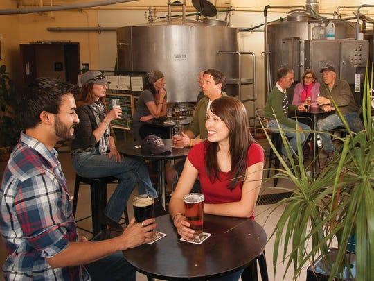 Mother Road Brewery ha estado elaborando cervezas, stouts y más desde 2010.