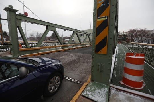 The Union Street lift bridge in Spencerport is a two lane truss bridge.
