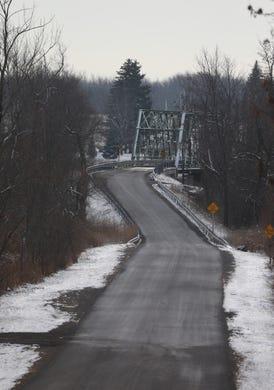 Erie Canal bridge fixes in Rochester area means detours