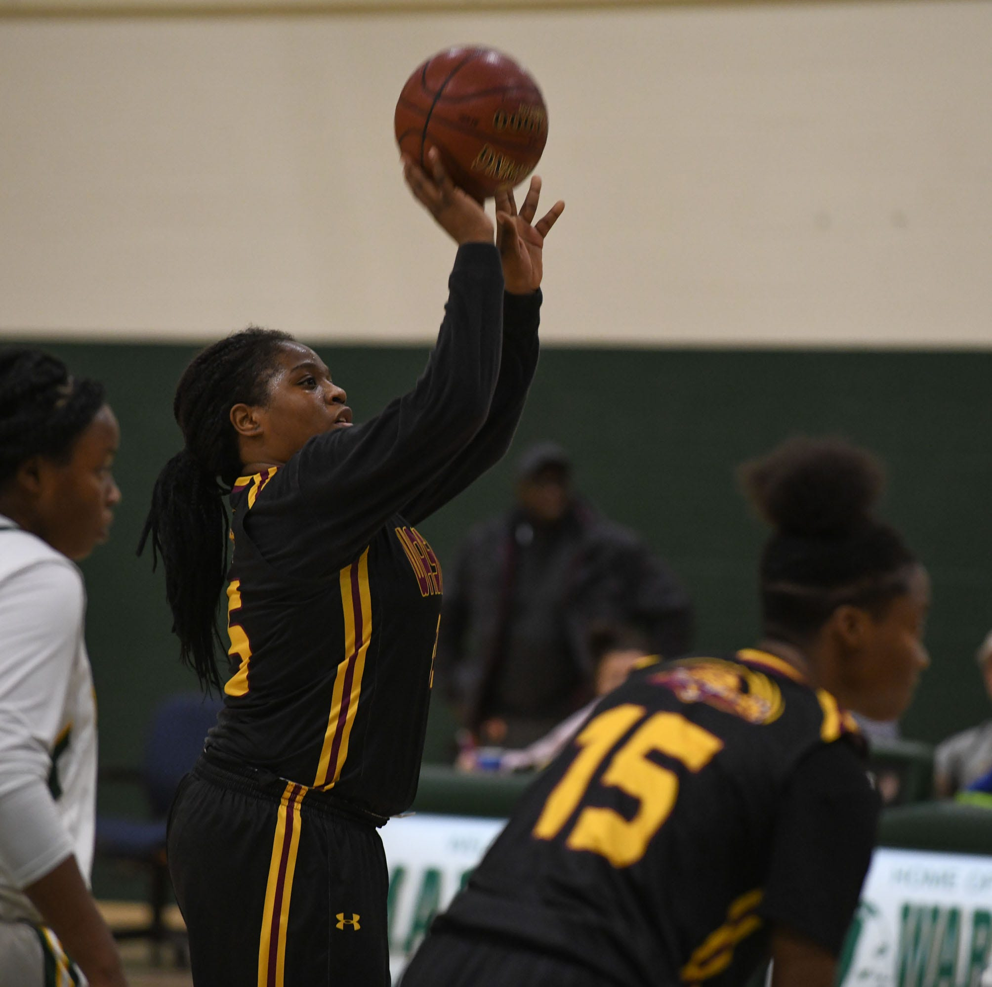 Washington girls basketball player Danasia Roberts closing in on 2,000 career points