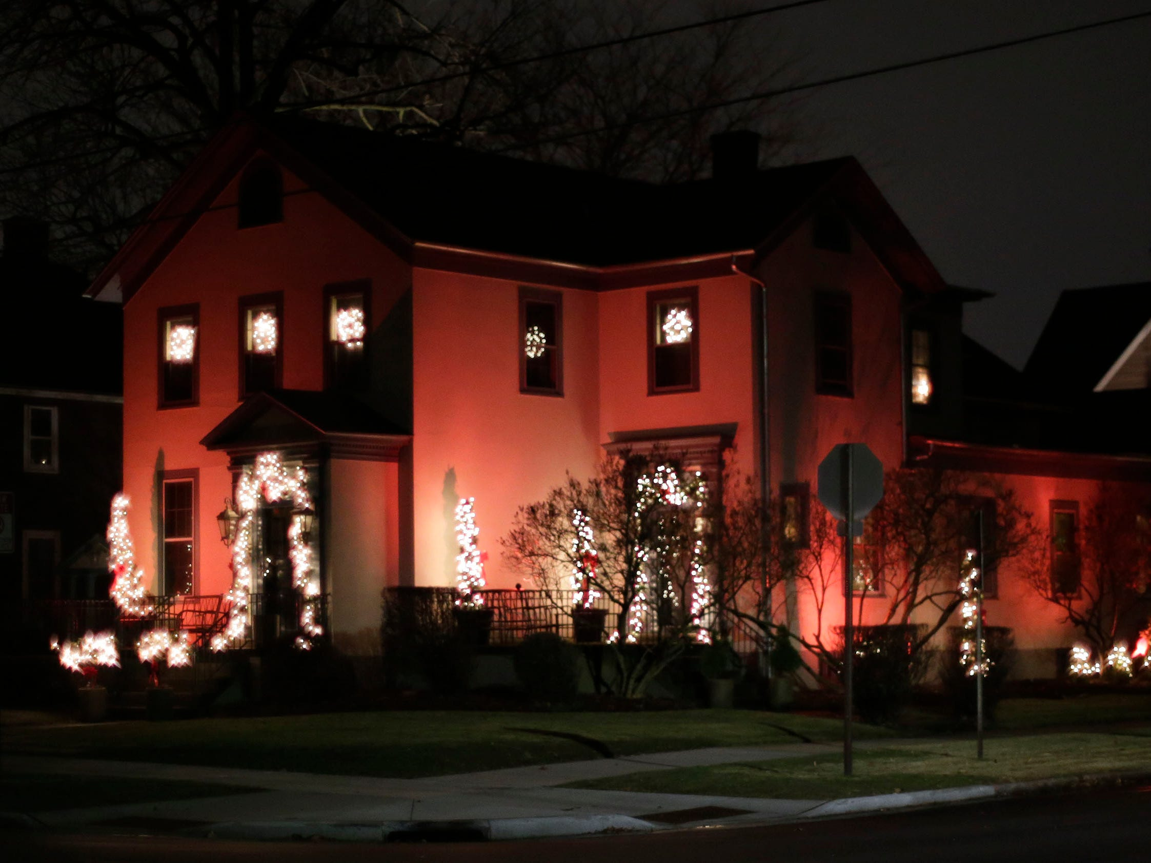 A home at 7th and Michigan is dressed for the holidays, Wednesday, December 12, 2018, in Sheboygan, Wis.
