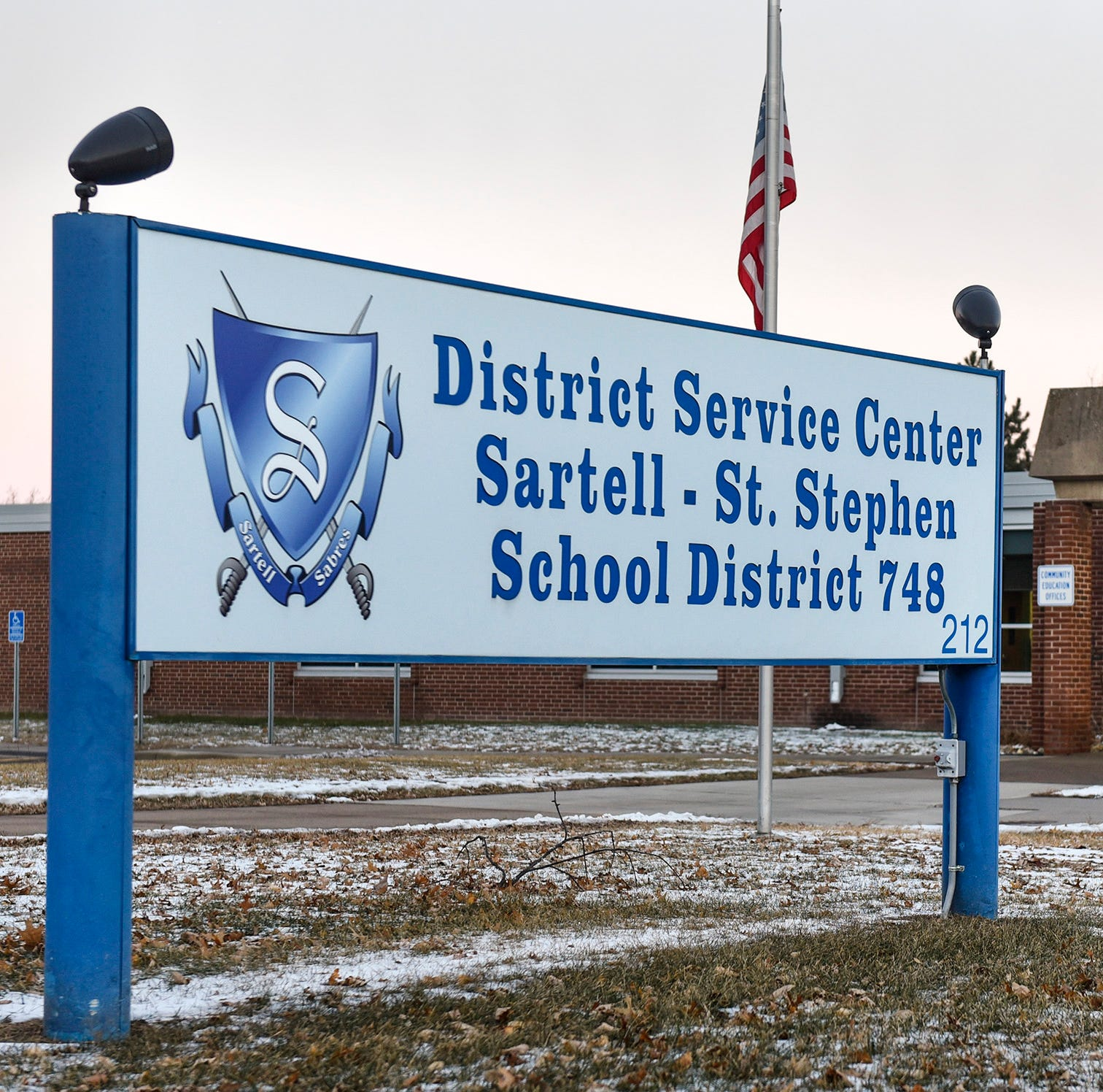 Sartell-St. Stephen school board votes down budget cut proposal