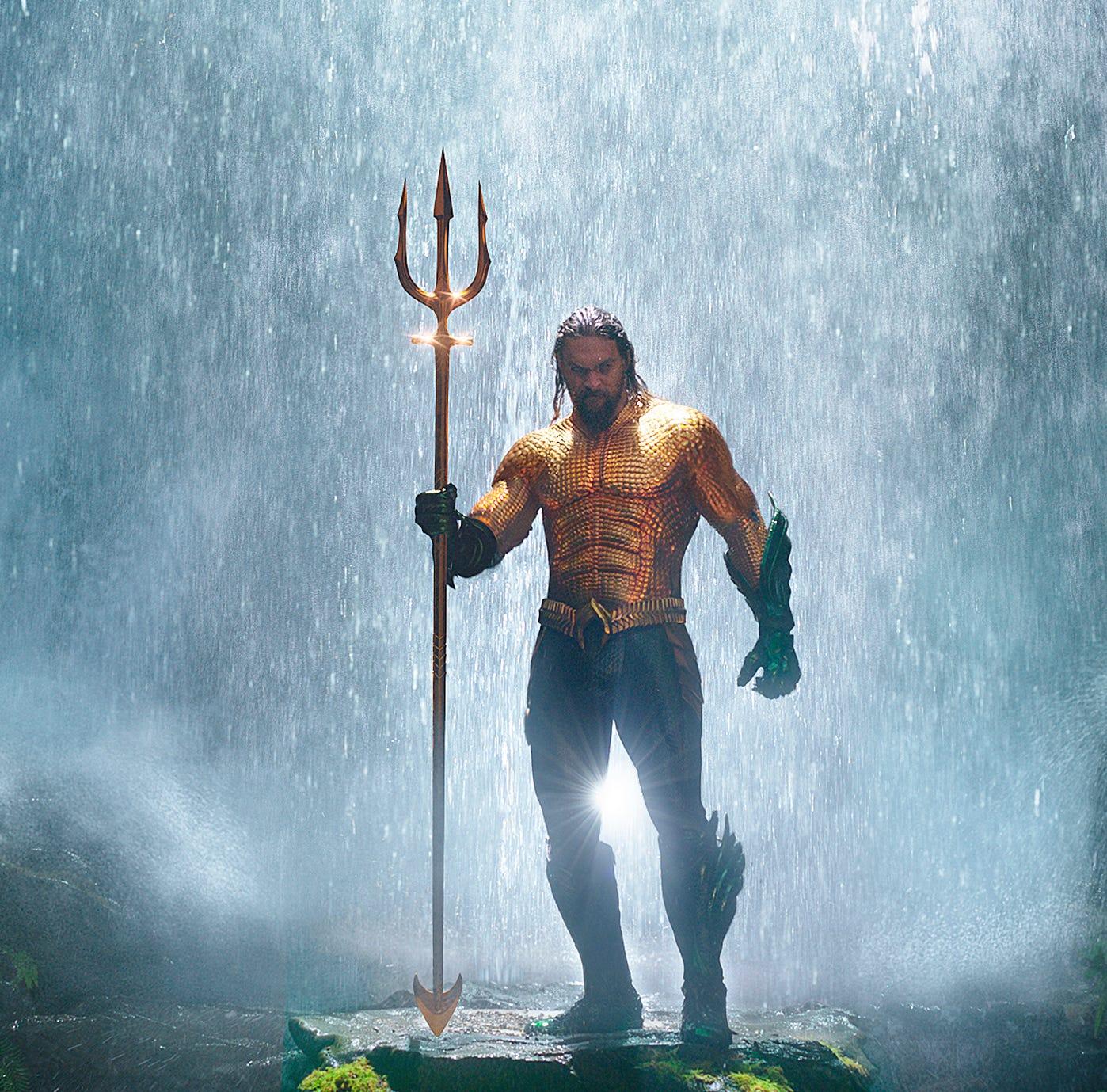 Film review: Charismatic Jason Momoa swims, but 'Aquaman' sinks