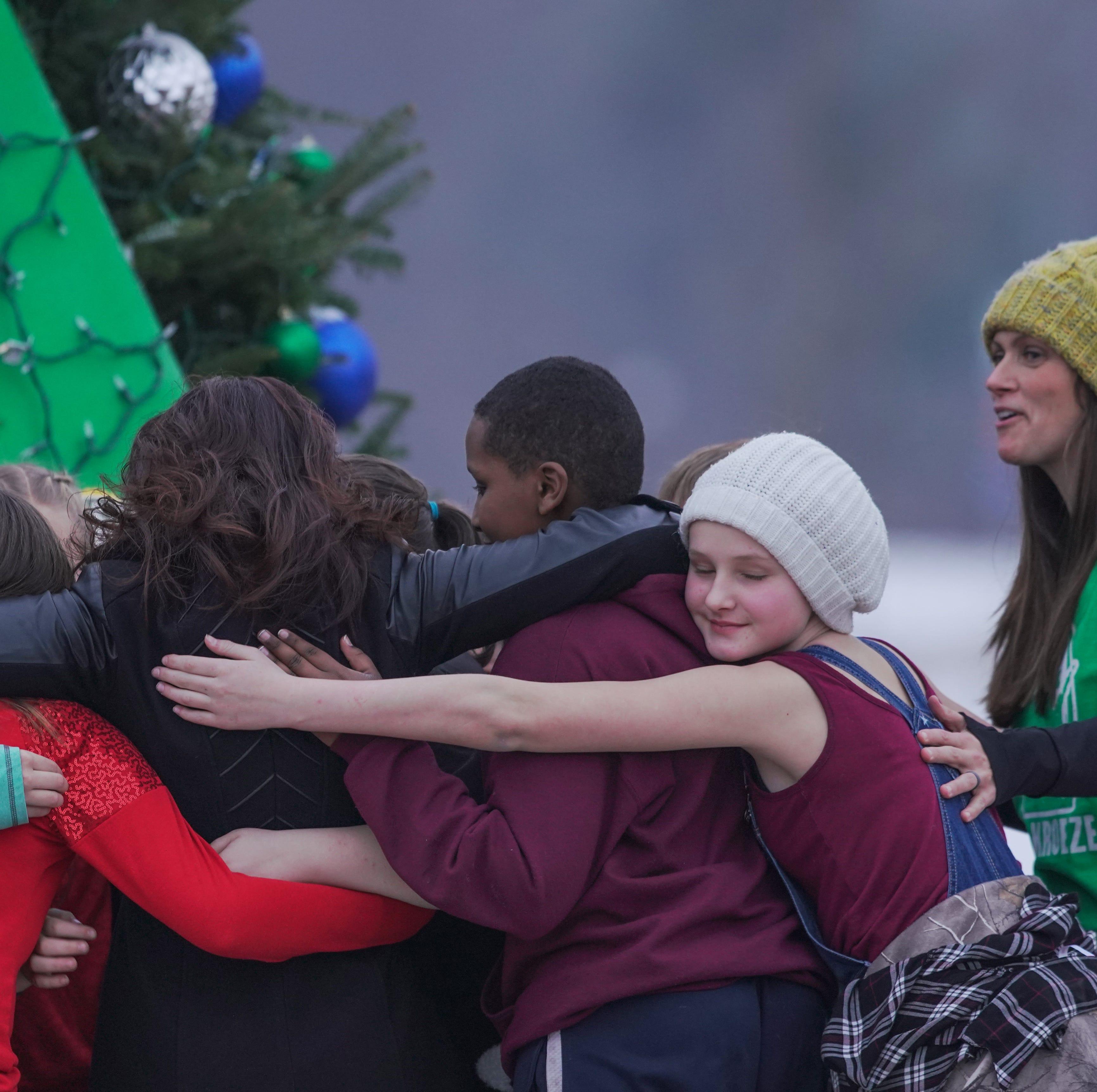 'Full of light': Barron holds tree-lighting ceremony to honor Jayme Closs, teen's family
