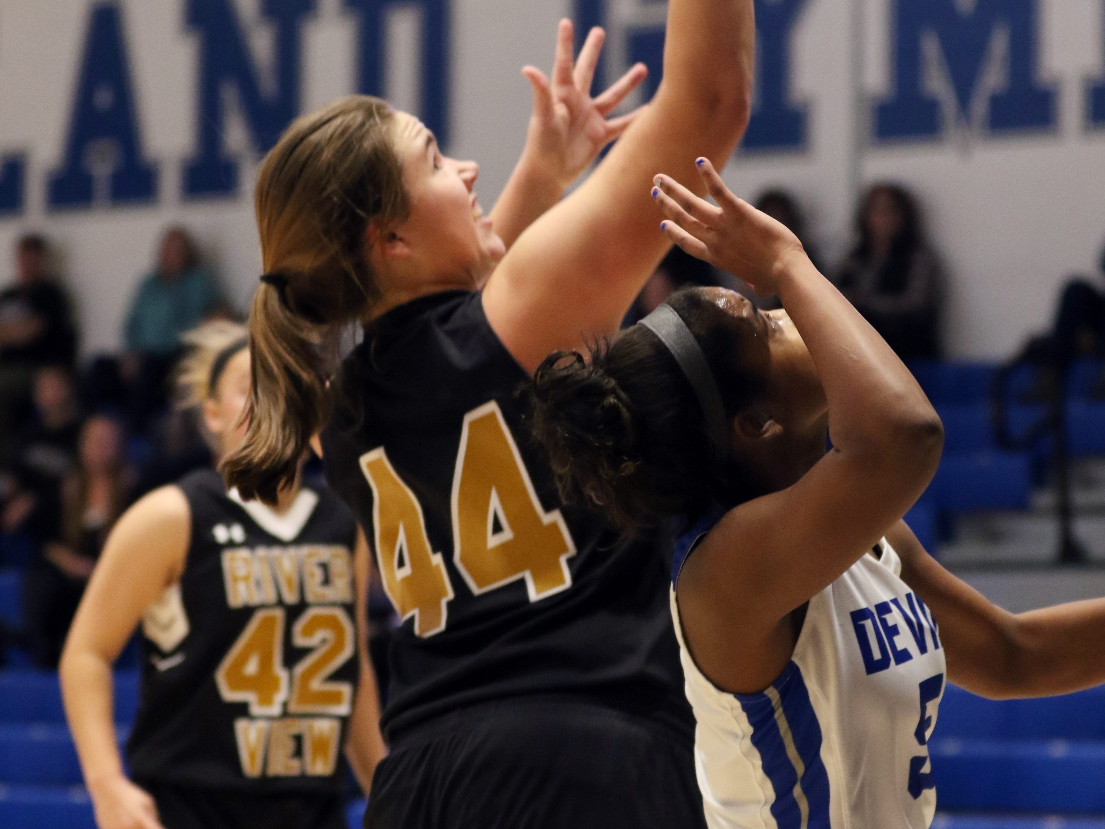 River View's Emma Anderson puts up a shot against Zanesville.