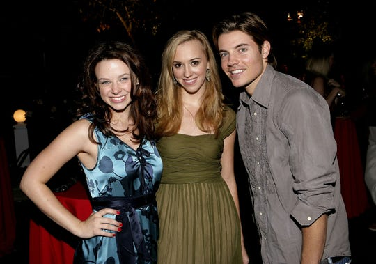 """Josh Henderson attends the """"Desperate Housewives"""" Season 2 Dvd Launch held on August 5, 2006 in Los Angeles California."""