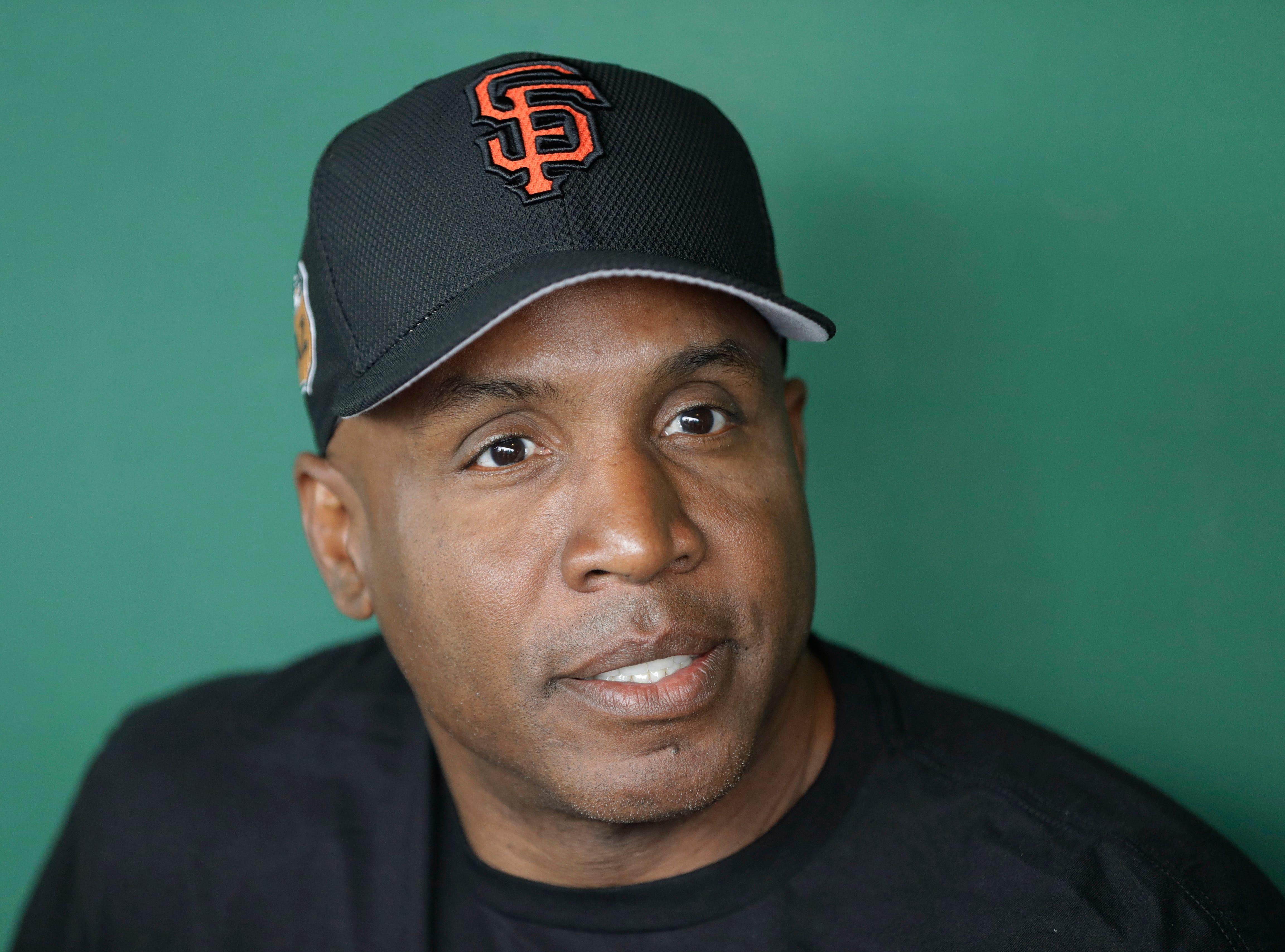 Barry Bonds' induction to Baseball Hall of Fame would mock Hank Aaron's untainted record