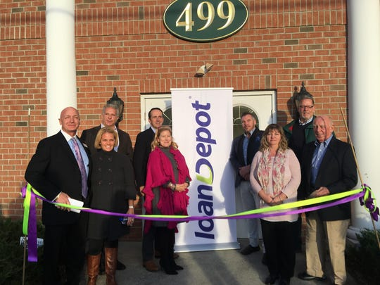 Ribbon-cutting ceremony at loanDepot in Shrewsbury.