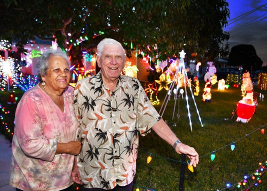 Bill And Sadie Peters Christmas Yard