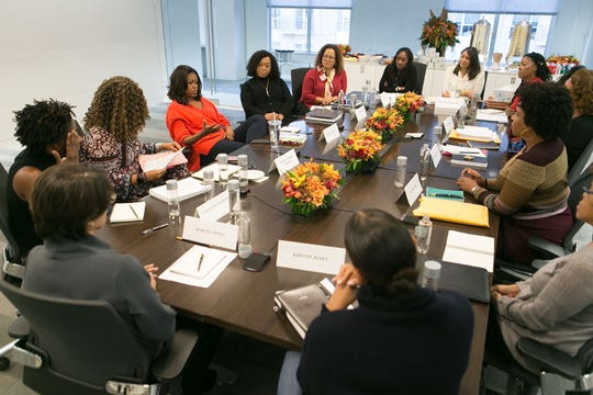 "rica Armstrong Dunbar joins Michelle Obama and Shonda Rhimes for roundtable discussion of Obama's memoir ""Becoming."""