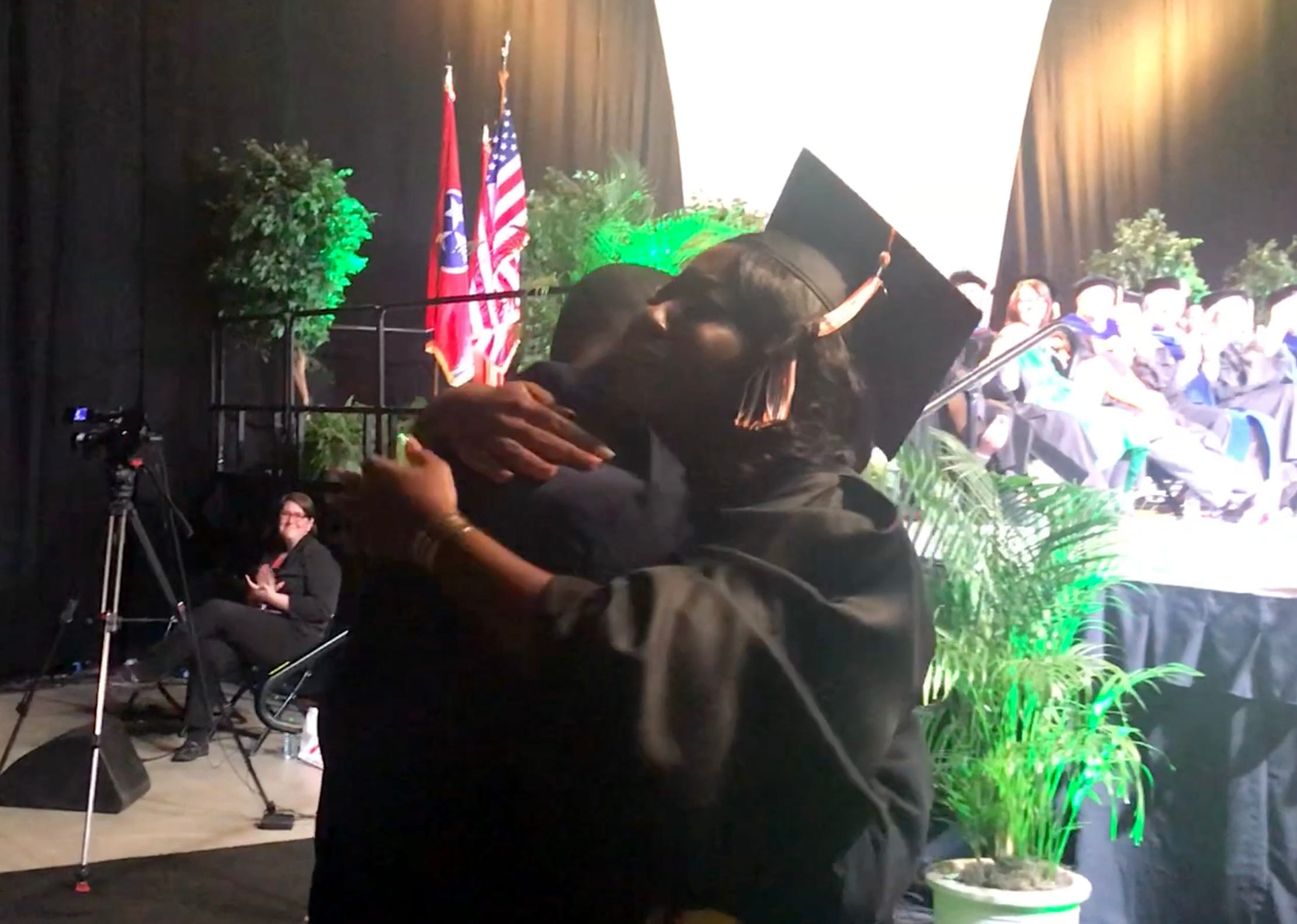 Watch as Air Force brother surprises sister at UT college graduation