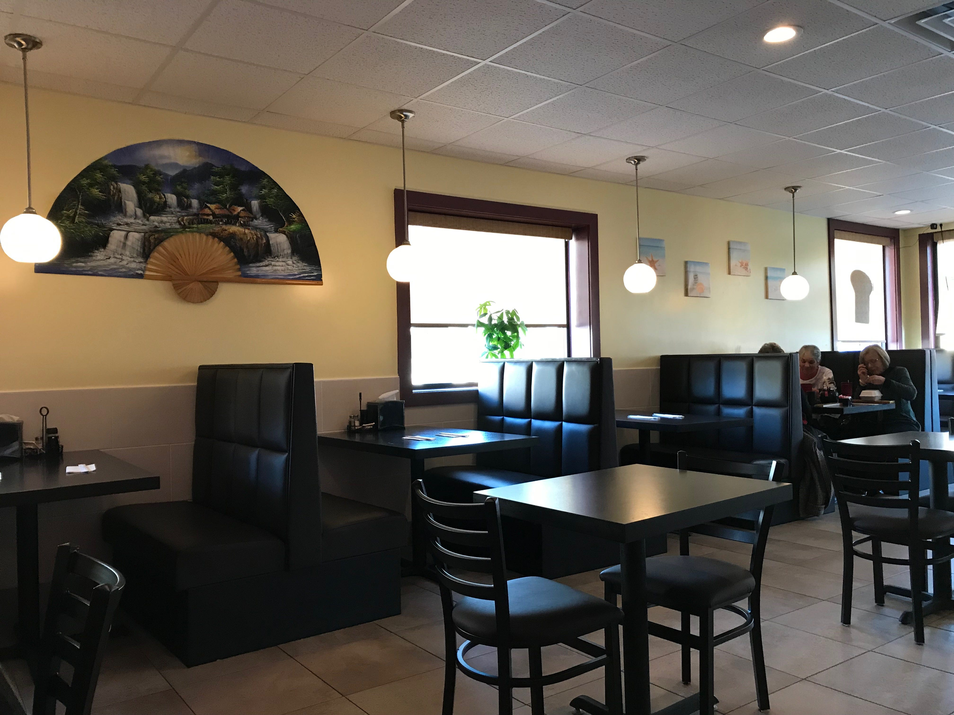 The dining area at Sakura Sushi & Thai in Manitowoc.