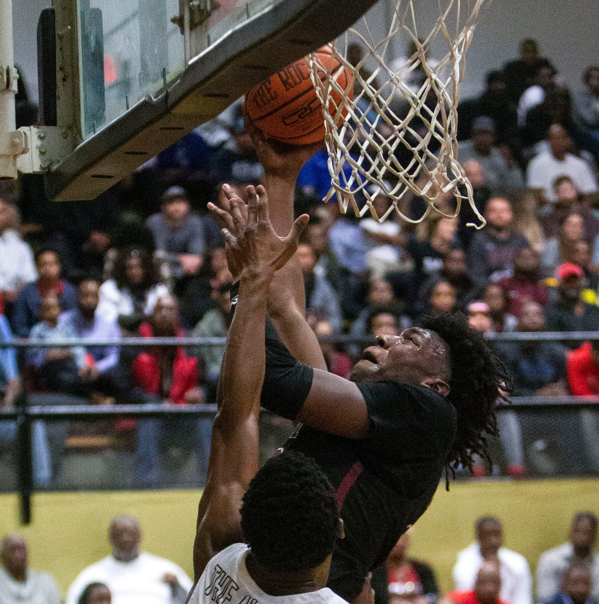 Memphis basketball signee James Wiseman bounces slam dunk over backboard vs Whitehaven