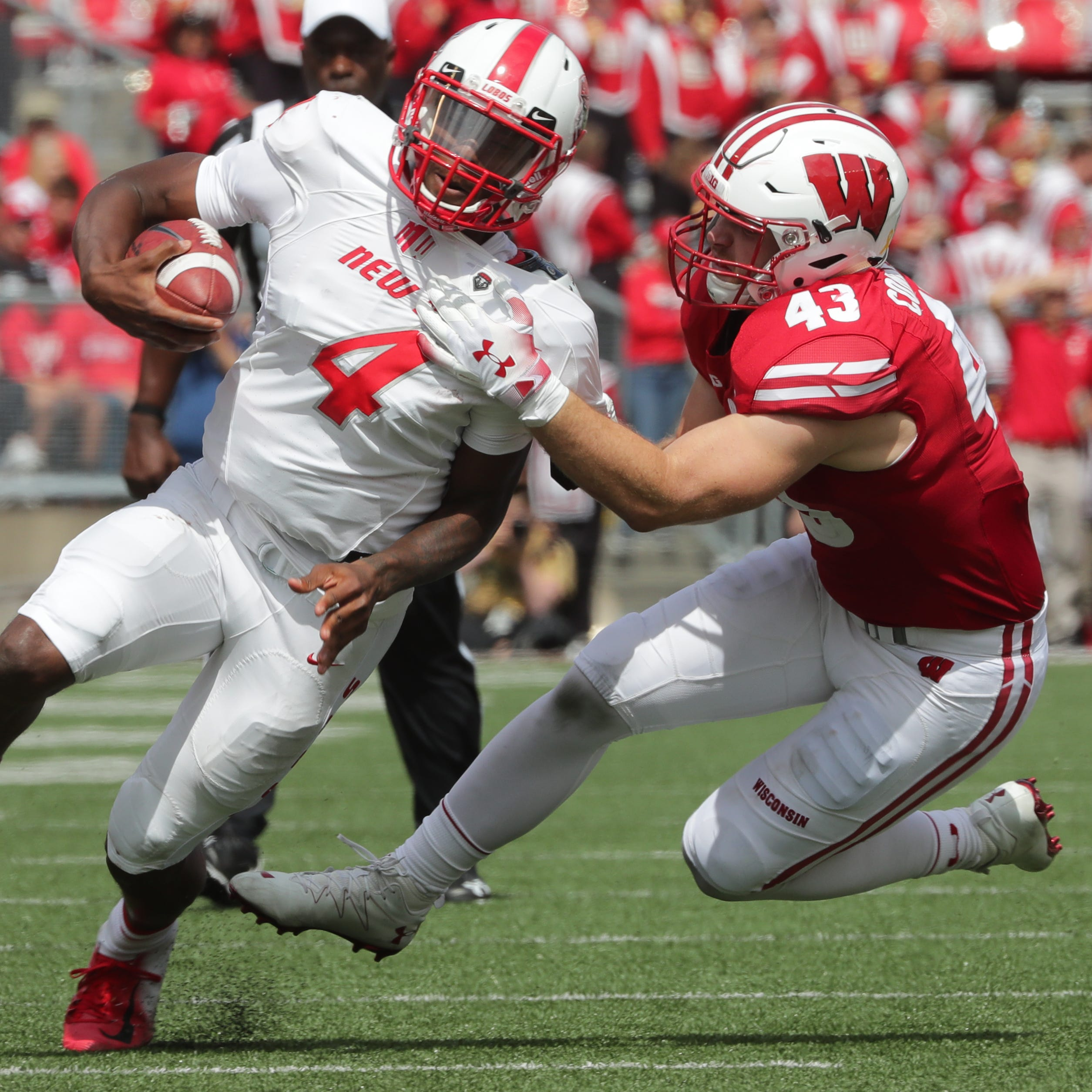 Wisconsin linebacker Ryan Connelly (43) drops New...