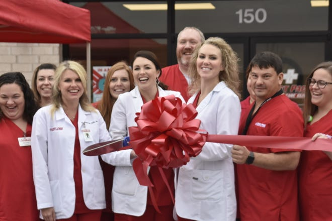 Fast Pace Urgent Care Clinic celebrated the opening of its new building in Ashland City with a ribbon cutting on Friday.
