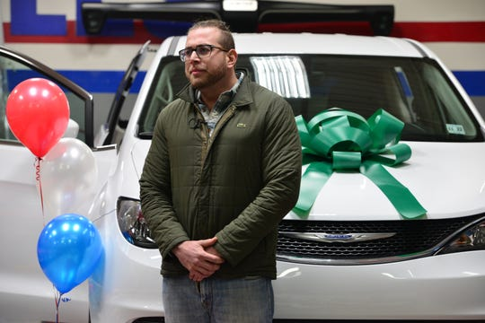 Brian Youssef, a disabled United States Marines Corps veteran who served several tours of duty in Iraq, with a free, fully-refurbished 2017 Chrysler Pacifica donated by Dynasty Auto Body. Youssef was severely injured in an IED blast and has been unable to secure appropriate employment. He will use this vehicle to travel to his voluminous doctorsÕ appointments.