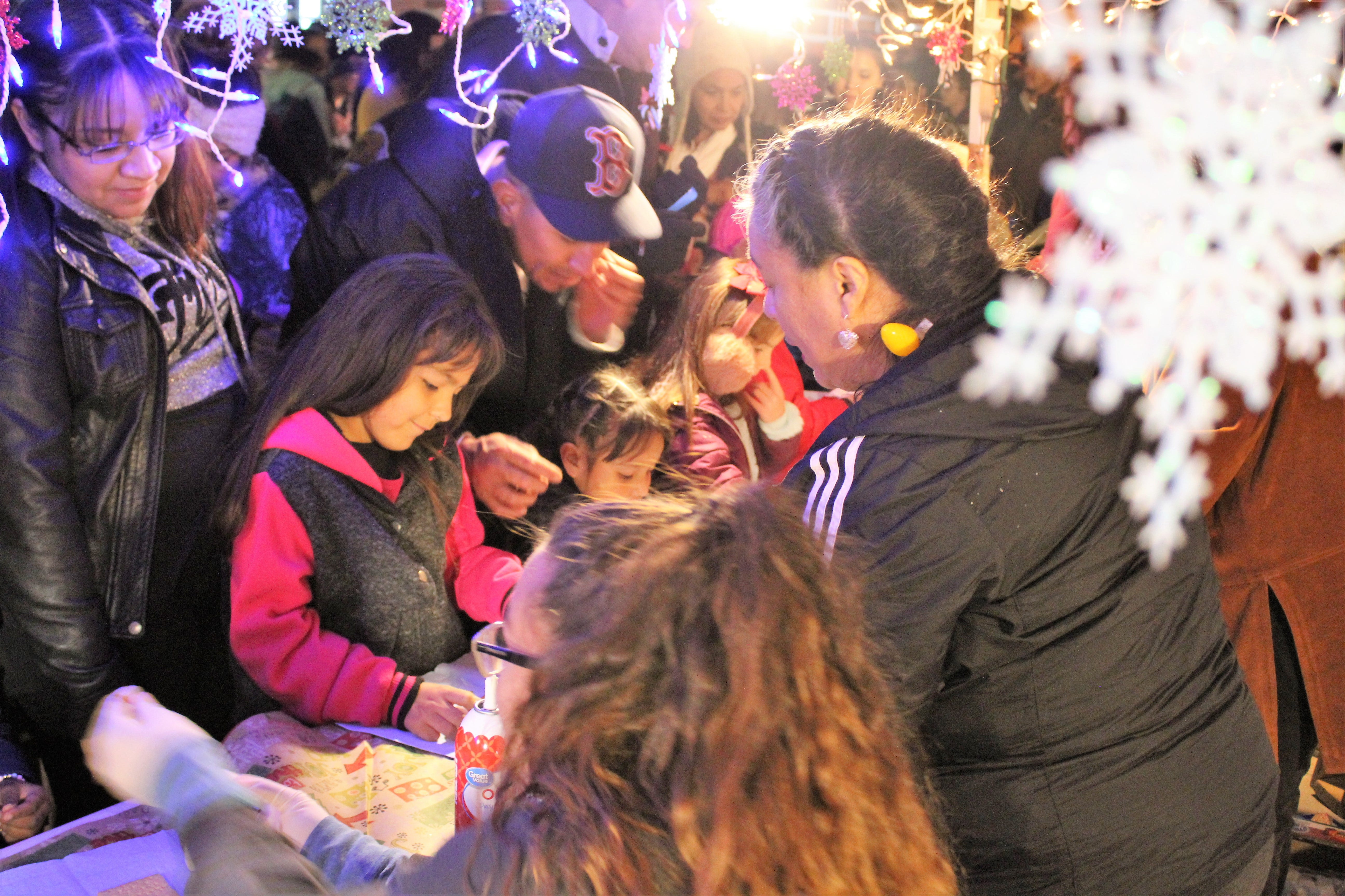 Utilities employees help deliver Christmas magic | Las Cruces Sun