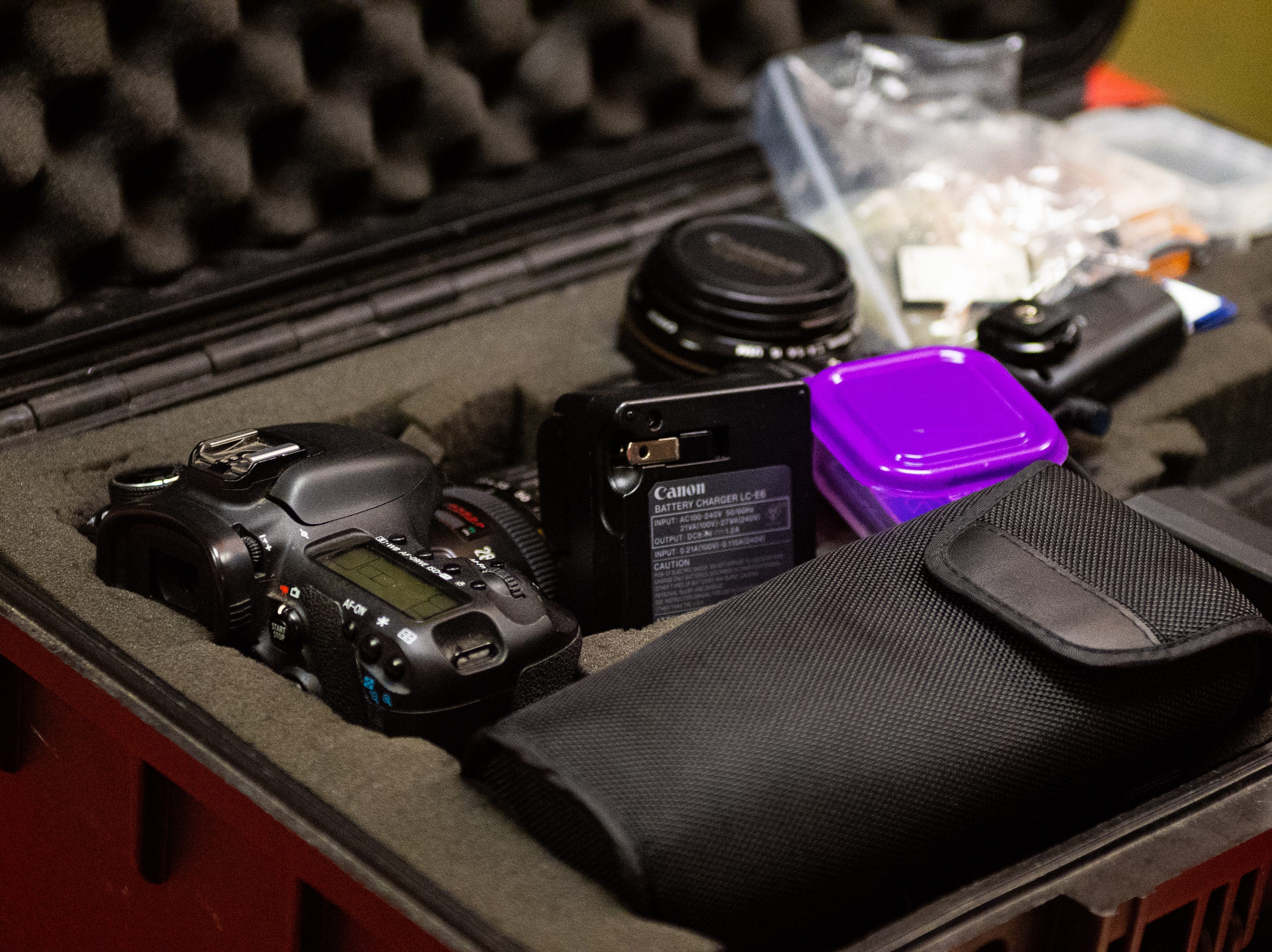 Tyler Brown Photography came prepared to the Evening with Santa event at the Lincoln Engine Company, December 13, 2018.