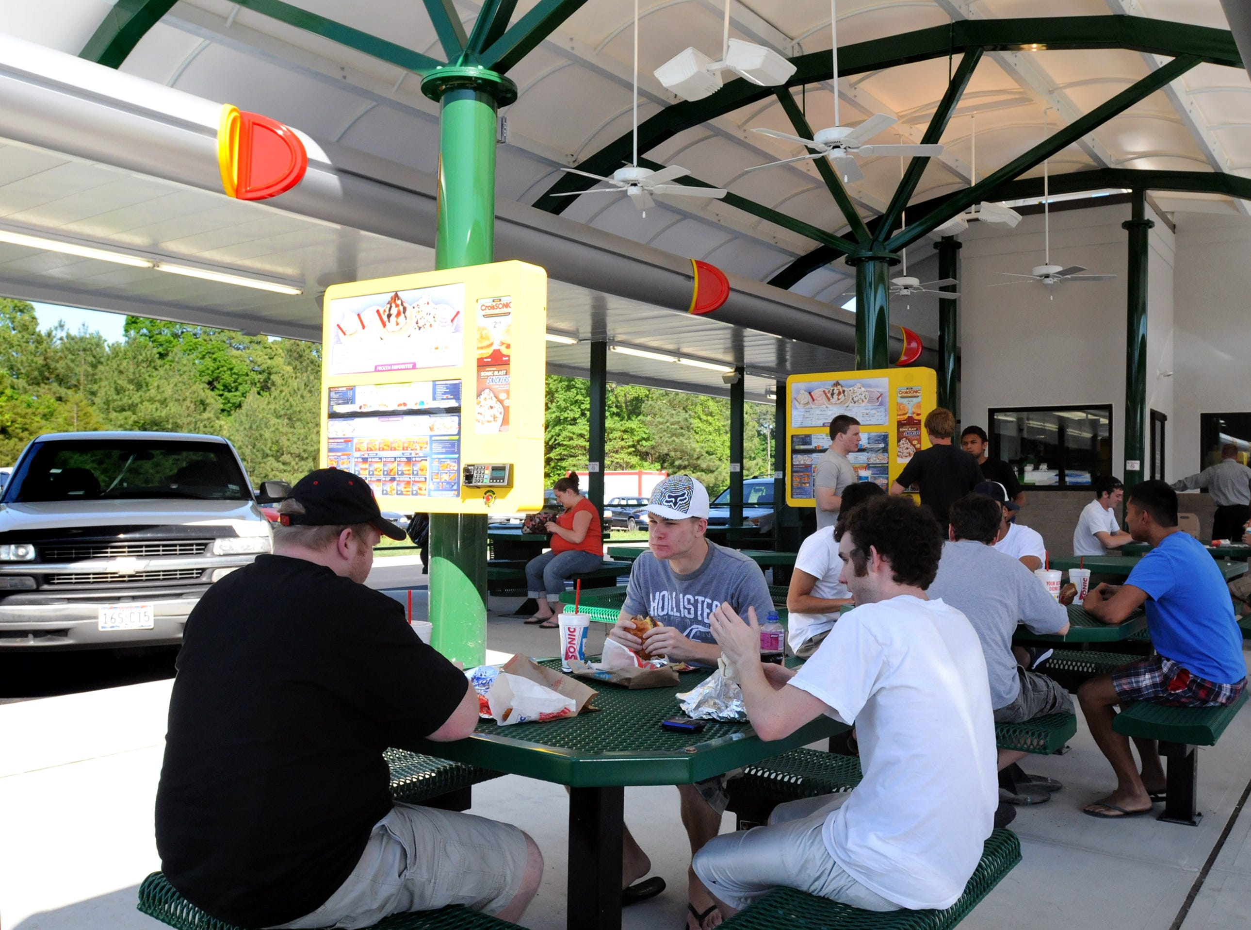Customers flocked to the newly opened Sonic Drive-In in Fruitland on May 19, 2009. Company officials said in December 2018 that the site would not re-open after a fire months before.
