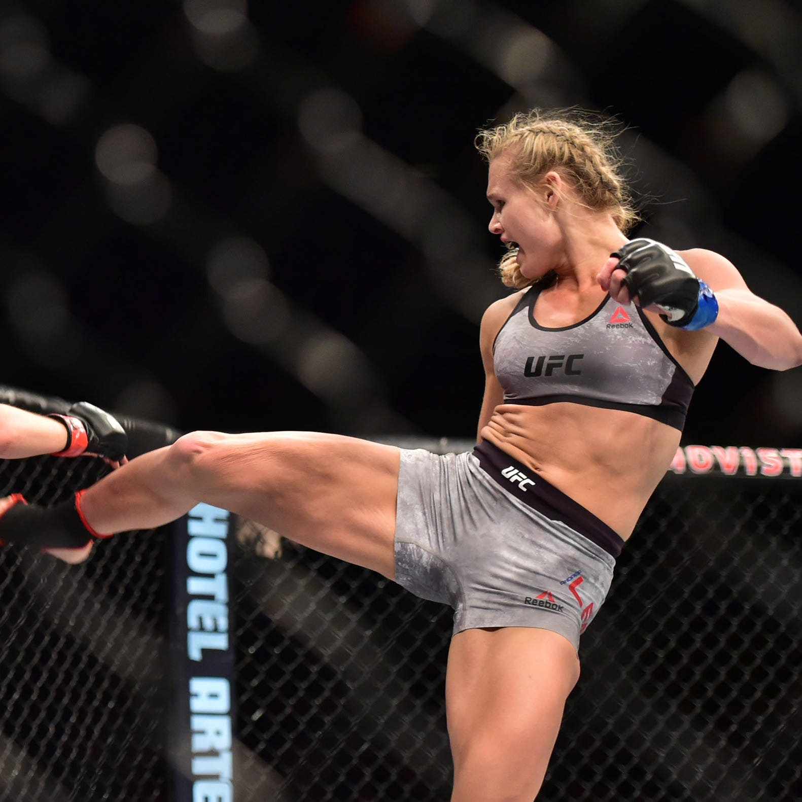 Andrea Lee's year of 'hell' continues as Saturday's UFC bout scrapped