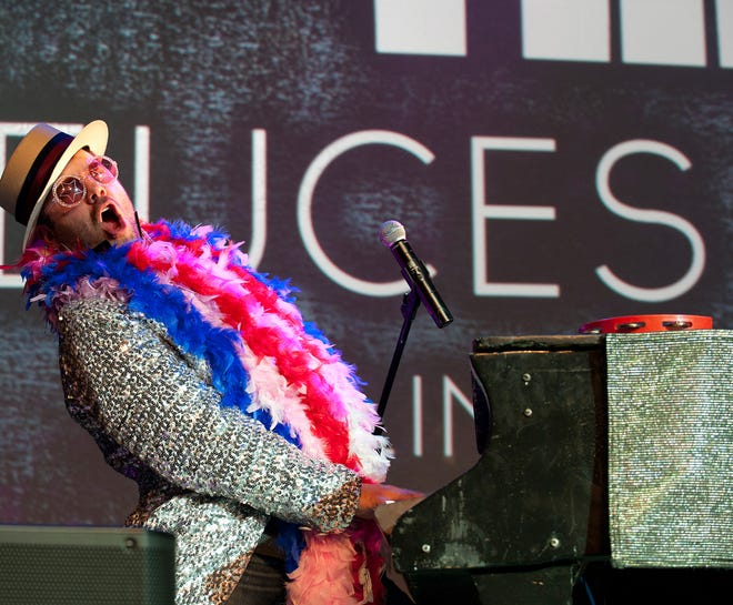 Deuces Wild, a dueling piano act, will be coming to the Paramount Center for the Arts on New Year's Eve.
