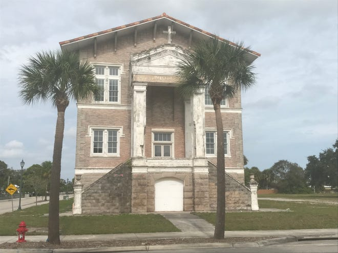 Old St. Anastasia Catholic School on the corner of Orange Avenue and 10th Street in Fort Pierce.  The school was built in 1914 to serve the needs of 30 Catholic families in Fort Pierce, Vero Beach and Titusville. The building was added to the National Register of Historic Places in August 2000.